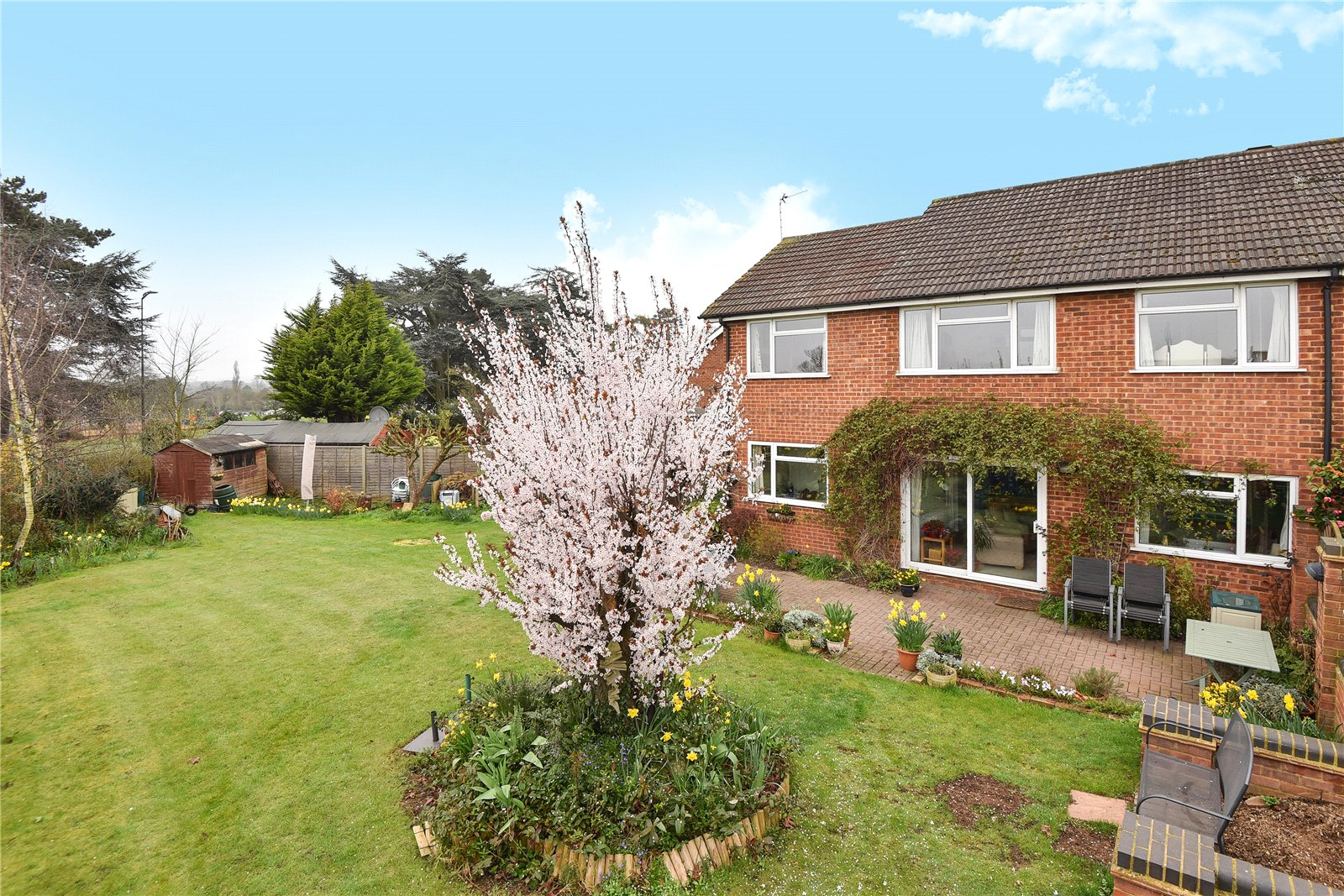 4 Bedrooms End Of Terrace House for sale in Courtfield Drive, Maidenhead, Berkshire, SL6