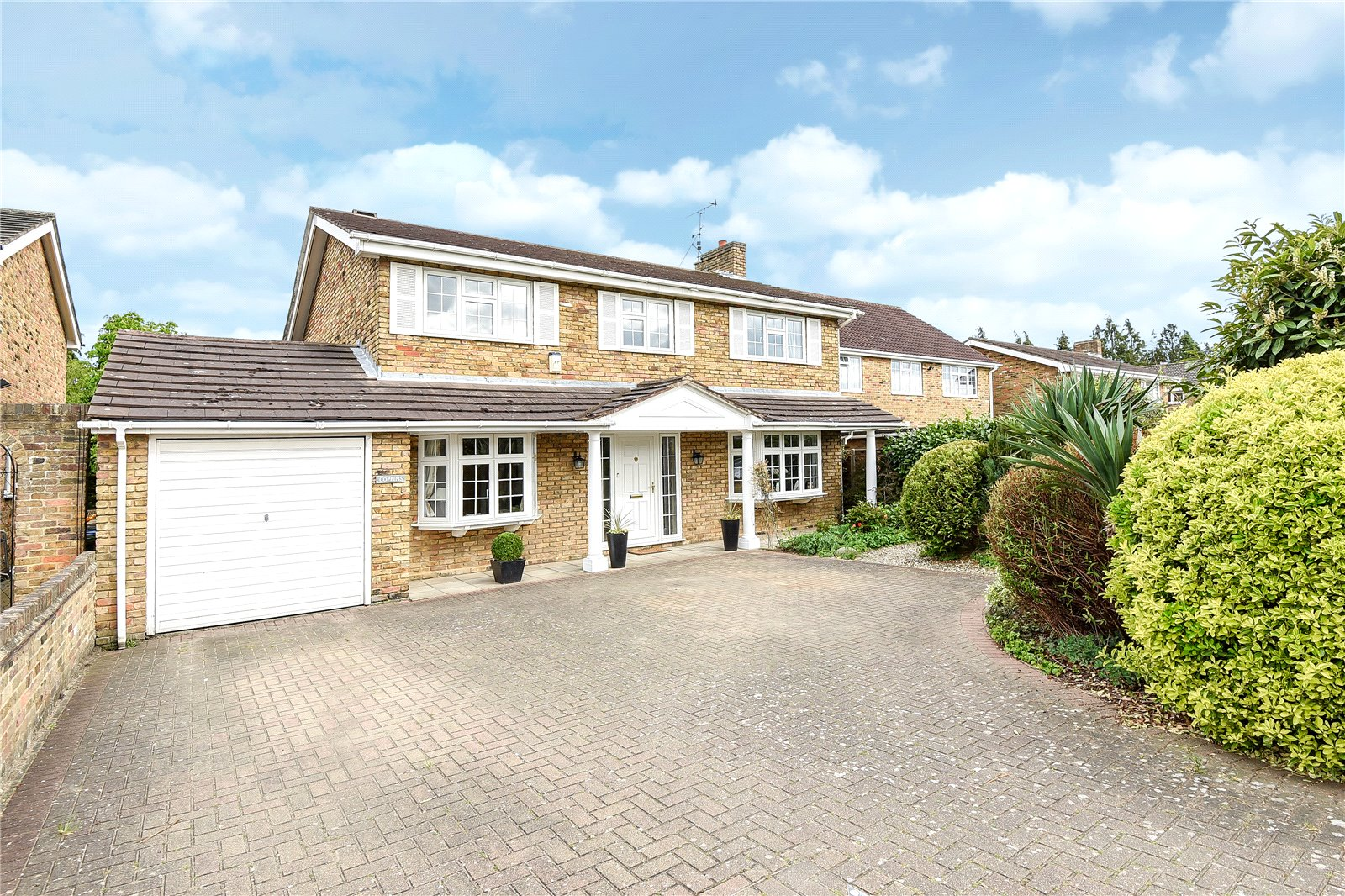 4 Bedrooms Detached House for sale in Cannon Lane, Maidenhead, Berkshire, SL6