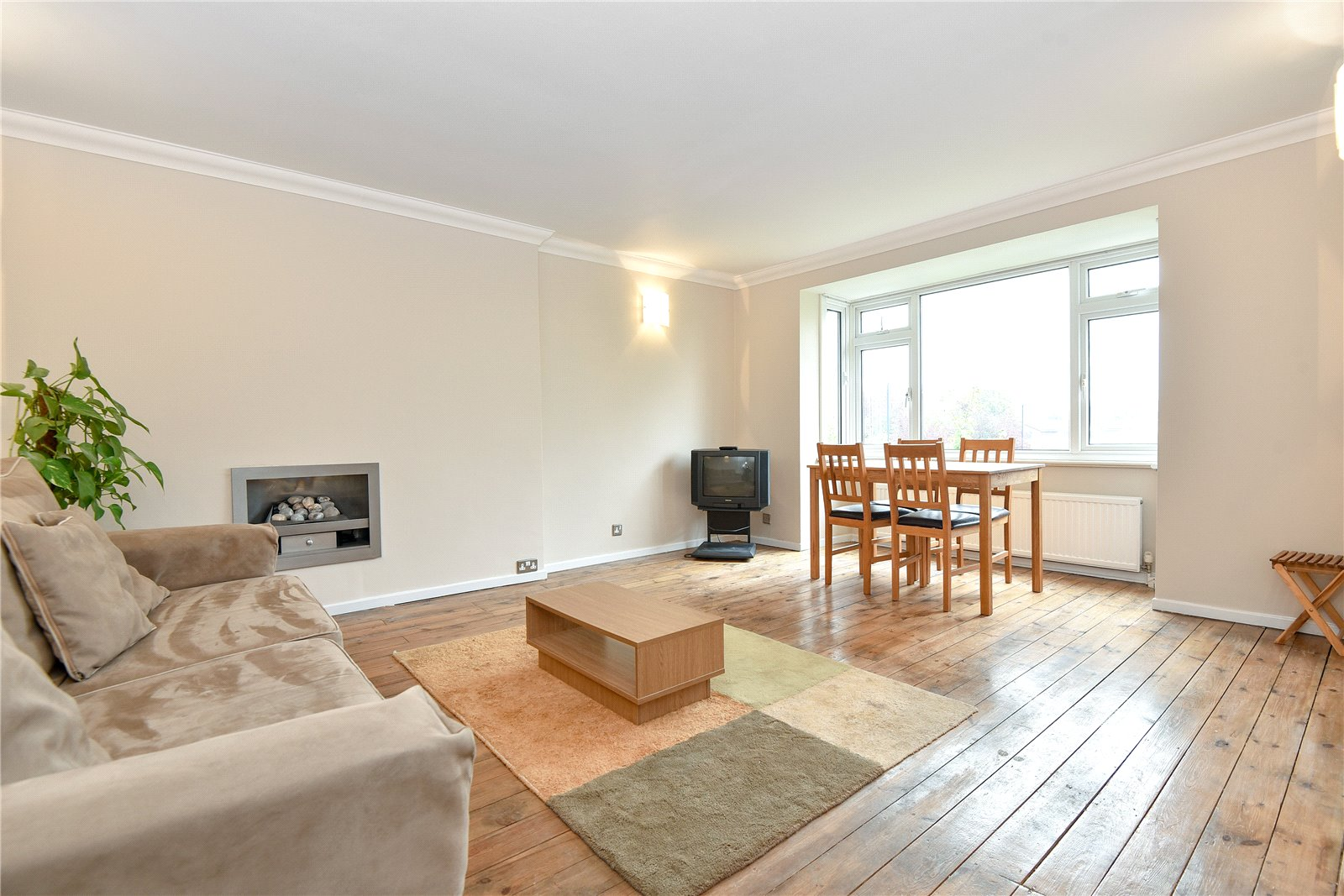2 Bedrooms Maisonette Flat for sale in Sandringham Road, Maidenhead, Berkshire, SL6