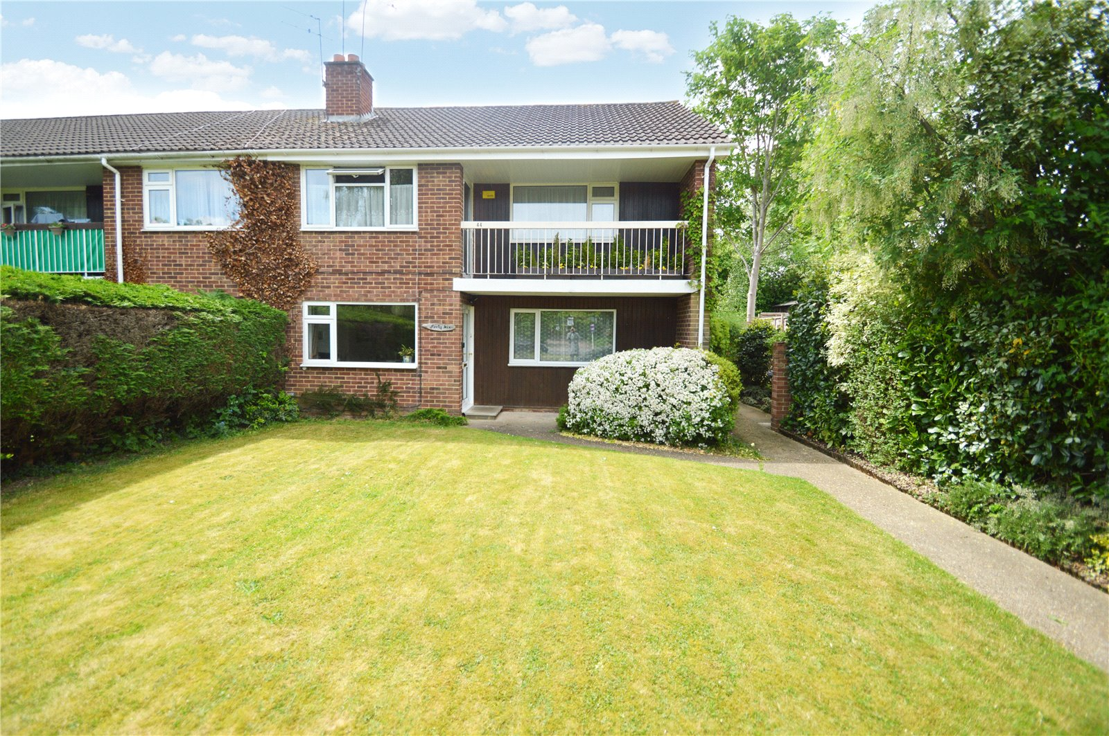 2 Bedrooms Maisonette Flat for sale in Wootton Way, Maidenhead, Berkshire, SL6