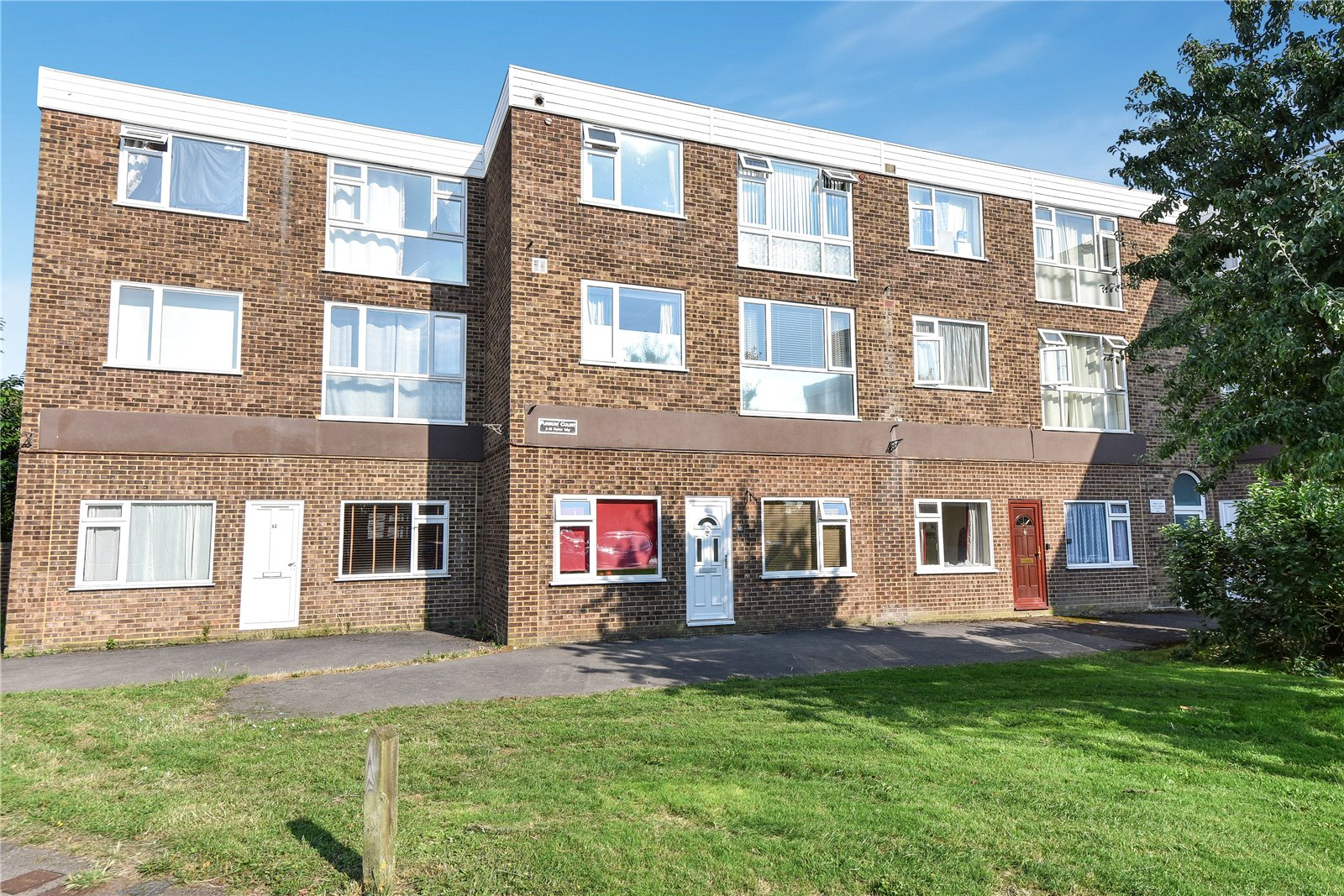 2 Bedrooms Apartment Flat for sale in Furrow Way, Maidenhead, Berkshire, SL6