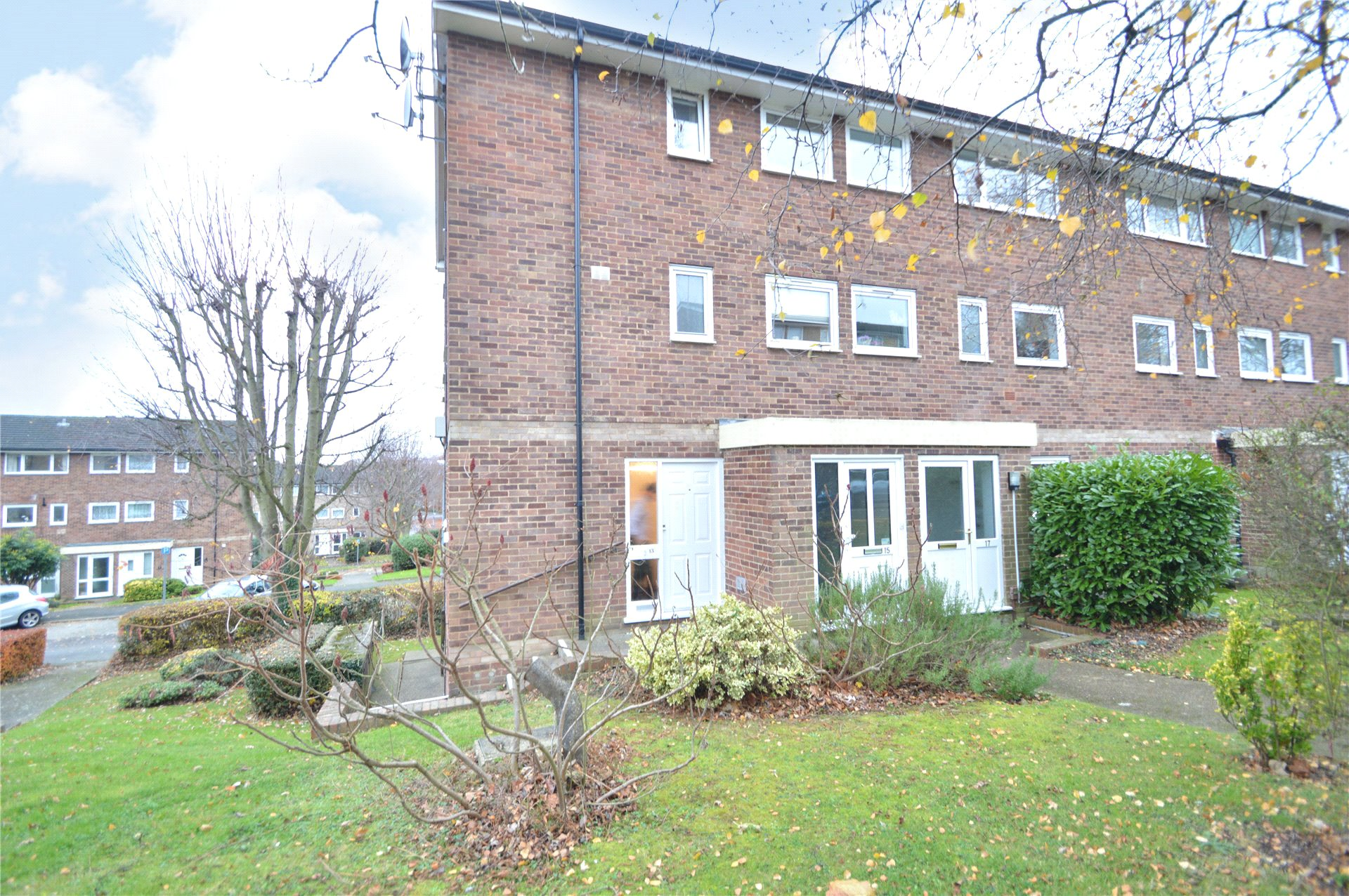 3 Bedrooms Apartment Flat for sale in Denham Close, Maidenhead, Berkshire, SL6