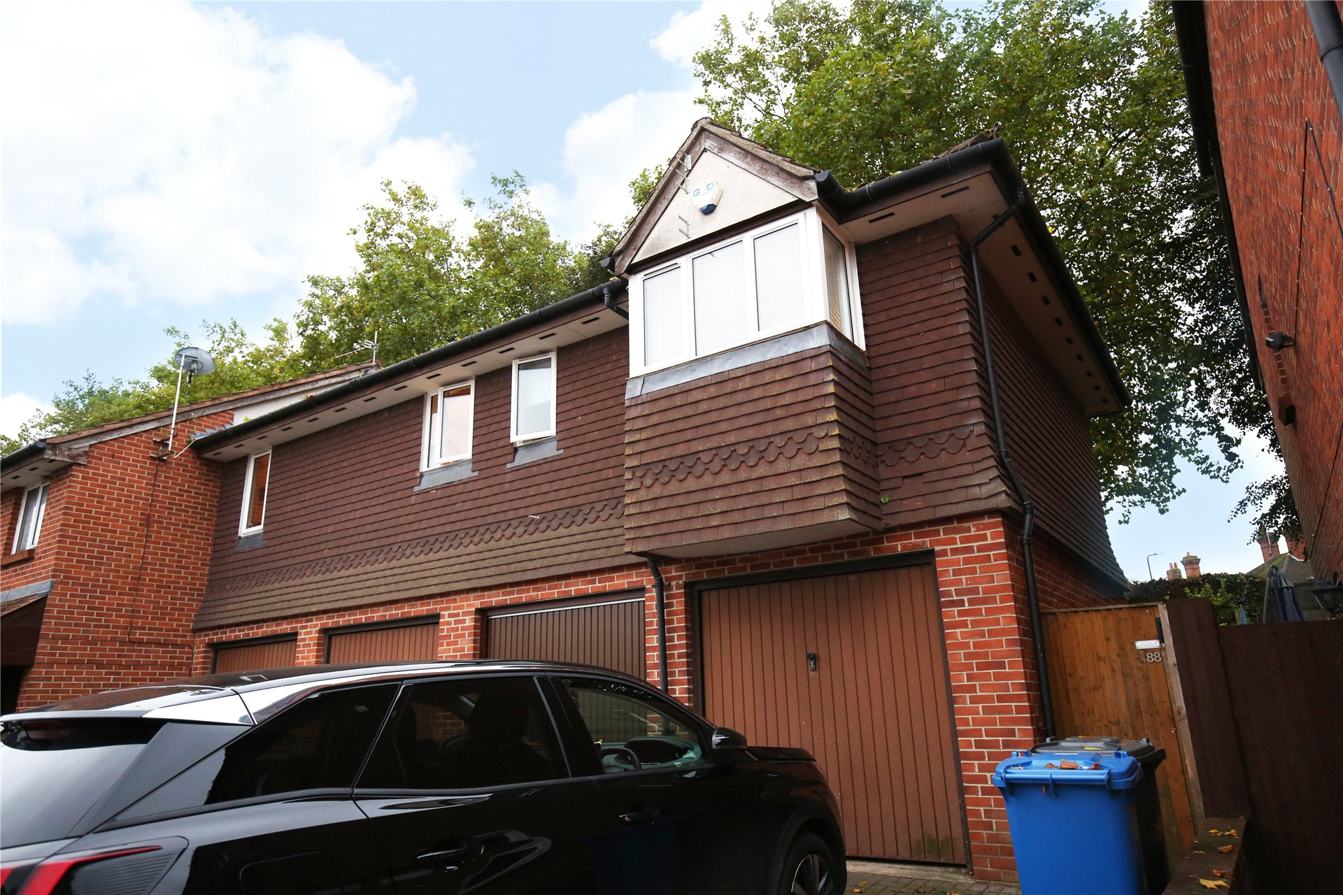 2 Bedrooms Maisonette Flat for sale in Stonefield Park, Maidenhead, Berkshire, SL6
