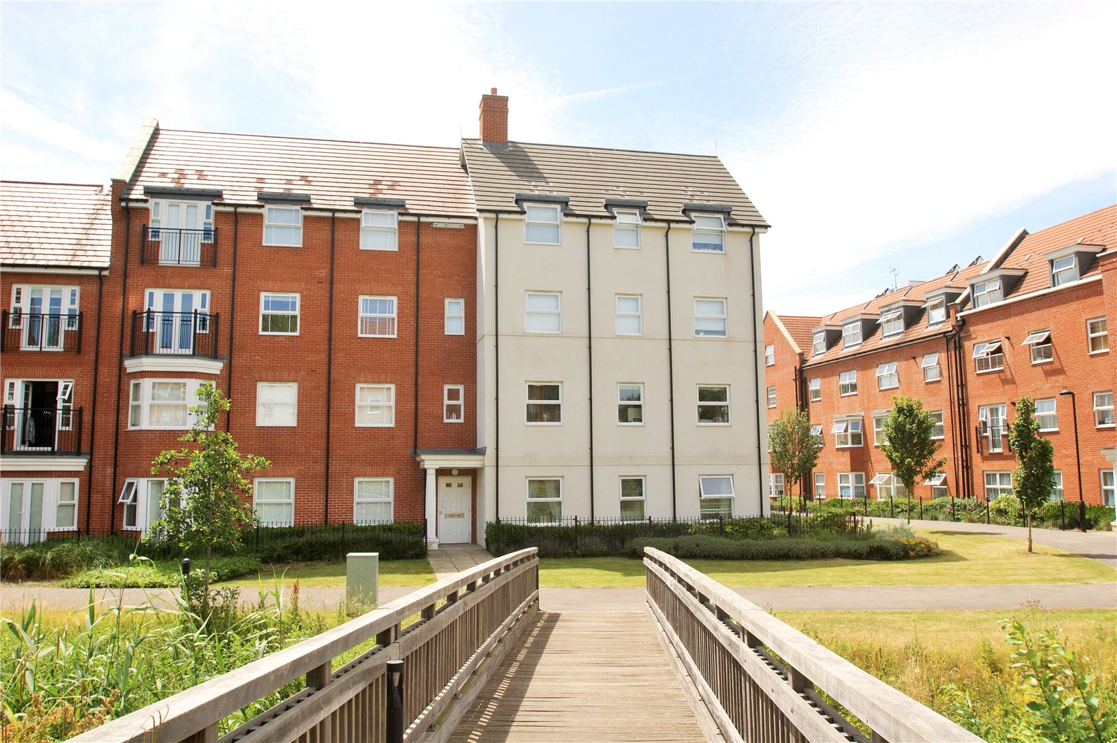 2 Bedrooms Apartment Flat for sale in Imogen House, Ashville Way, Wokingham, Berkshire, RG41