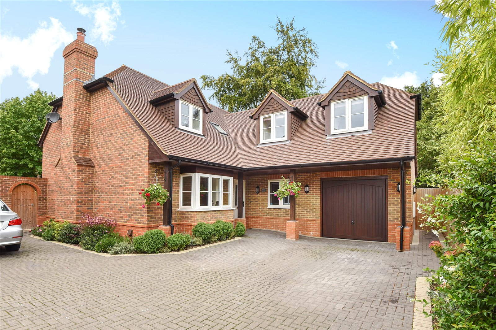 4 Bedrooms Detached House for sale in Ravenswood Avenue, Crowthorne, Berkshire, RG45