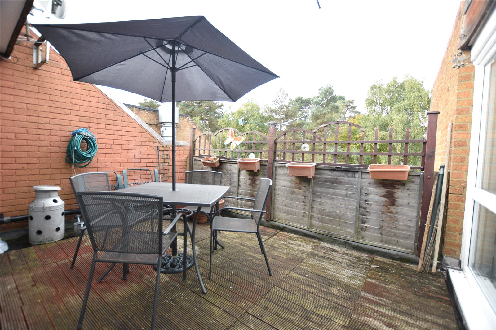 2 Bedrooms Apartment Flat for sale in Heather Ridge Arcade, Camberley, Surrey, GU15