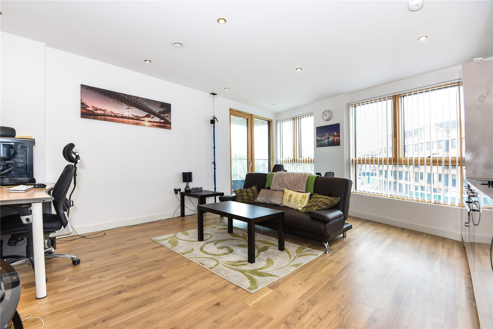 2 Bedrooms Apartment Flat for rent in Honister, 20 Alfred Street, Reading, Berkshire, RG1