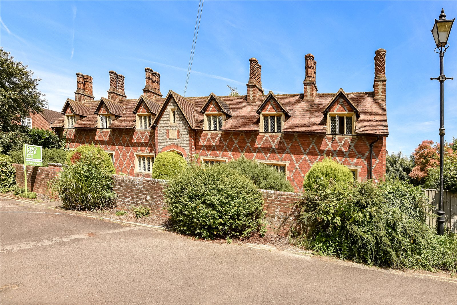 1 Bedroom Terraced House for sale in Almshouses, New Lane Hill, Tilehurst, Reading, RG30