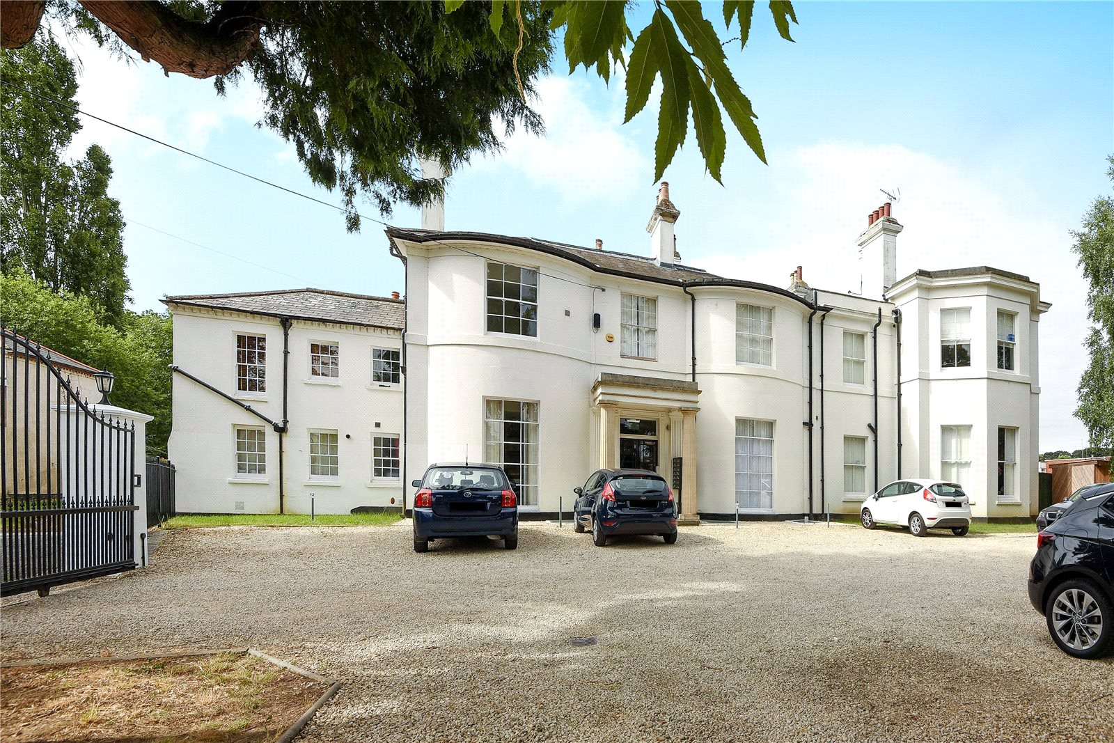2 Bedrooms Apartment Flat for sale in St. Andrews House, 28A Wilton Road, Reading, Berkshire, RG30