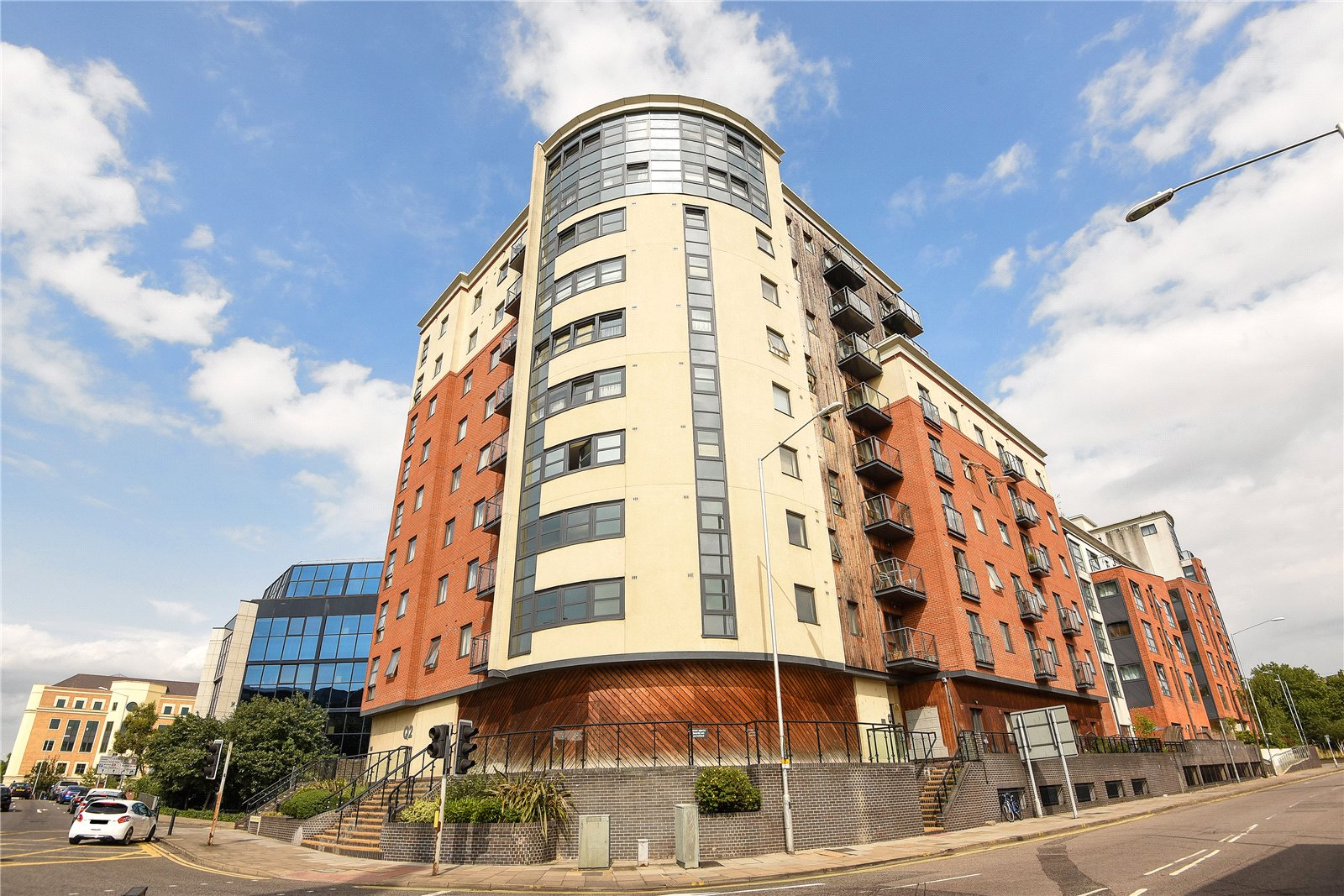 1 Bedroom Apartment Flat for sale in Q2, Watlington Street, Reading, Berkshire, RG1