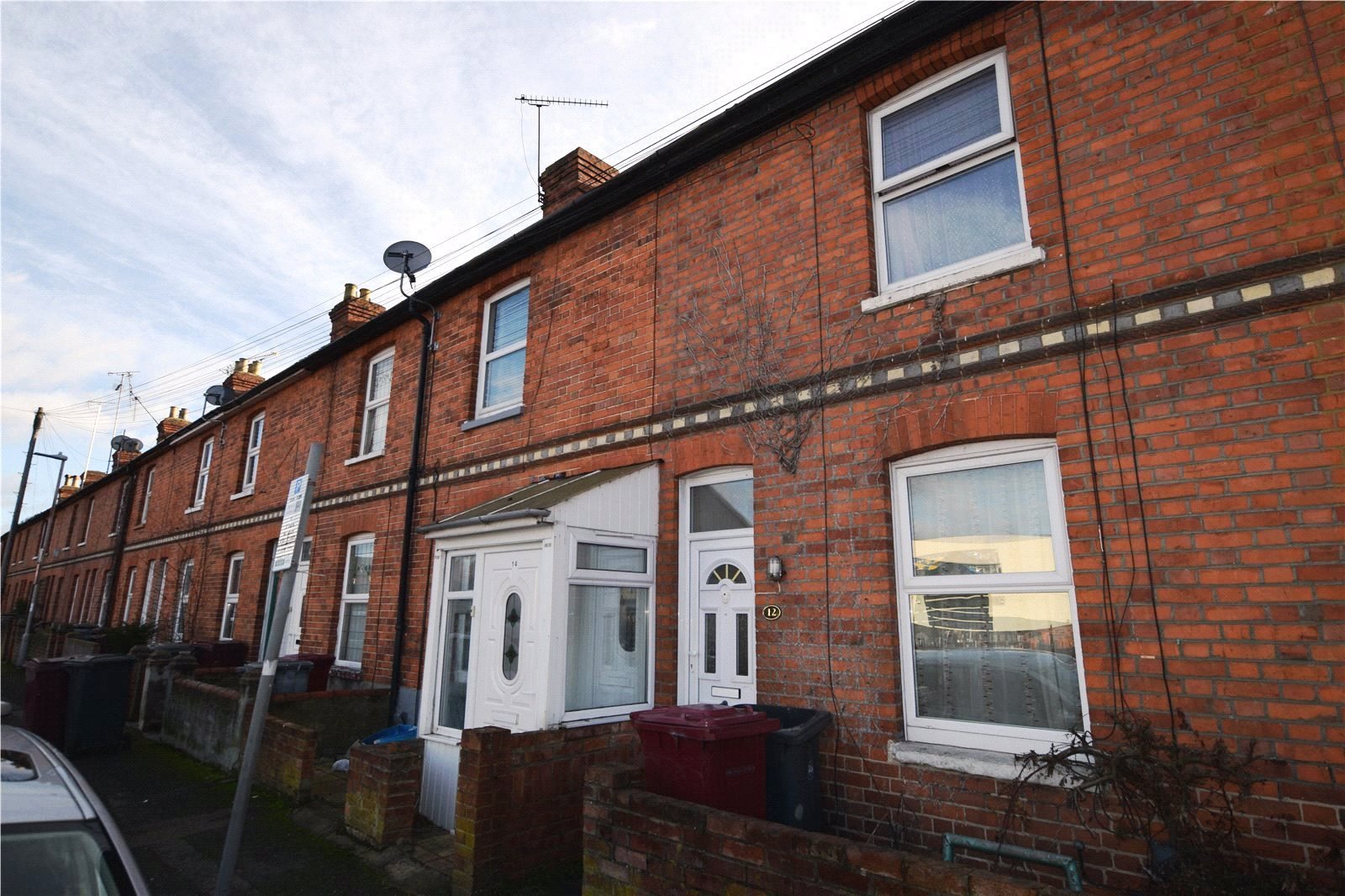 4 Bedrooms Terraced House for sale in Orts Road, Reading, Berkshire, RG1