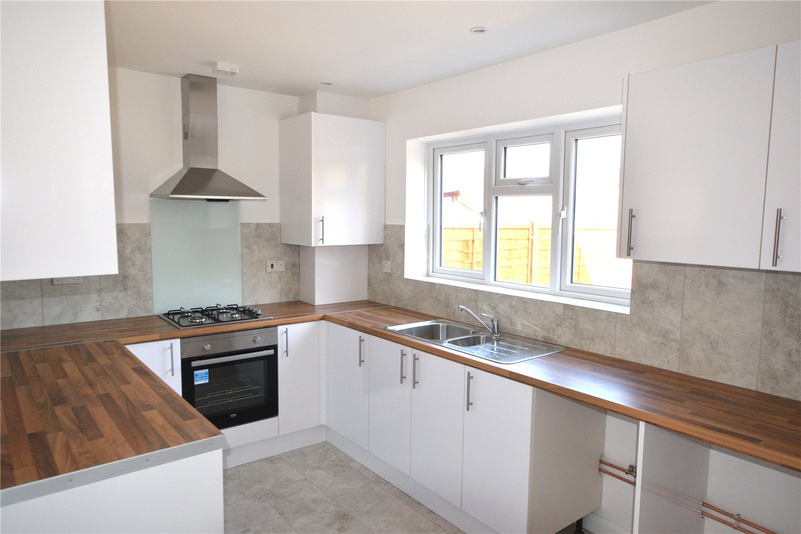 3 Bedrooms Semi Detached House for sale in Cressingham Road, Reading, Berkshire, RG2