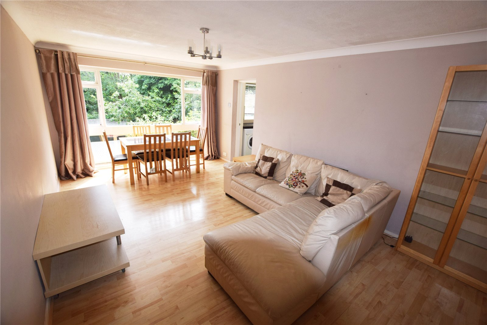 2 Bedrooms Apartment Flat for sale in Lesley Court, Southcote Road, Reading, Berkshire, RG30