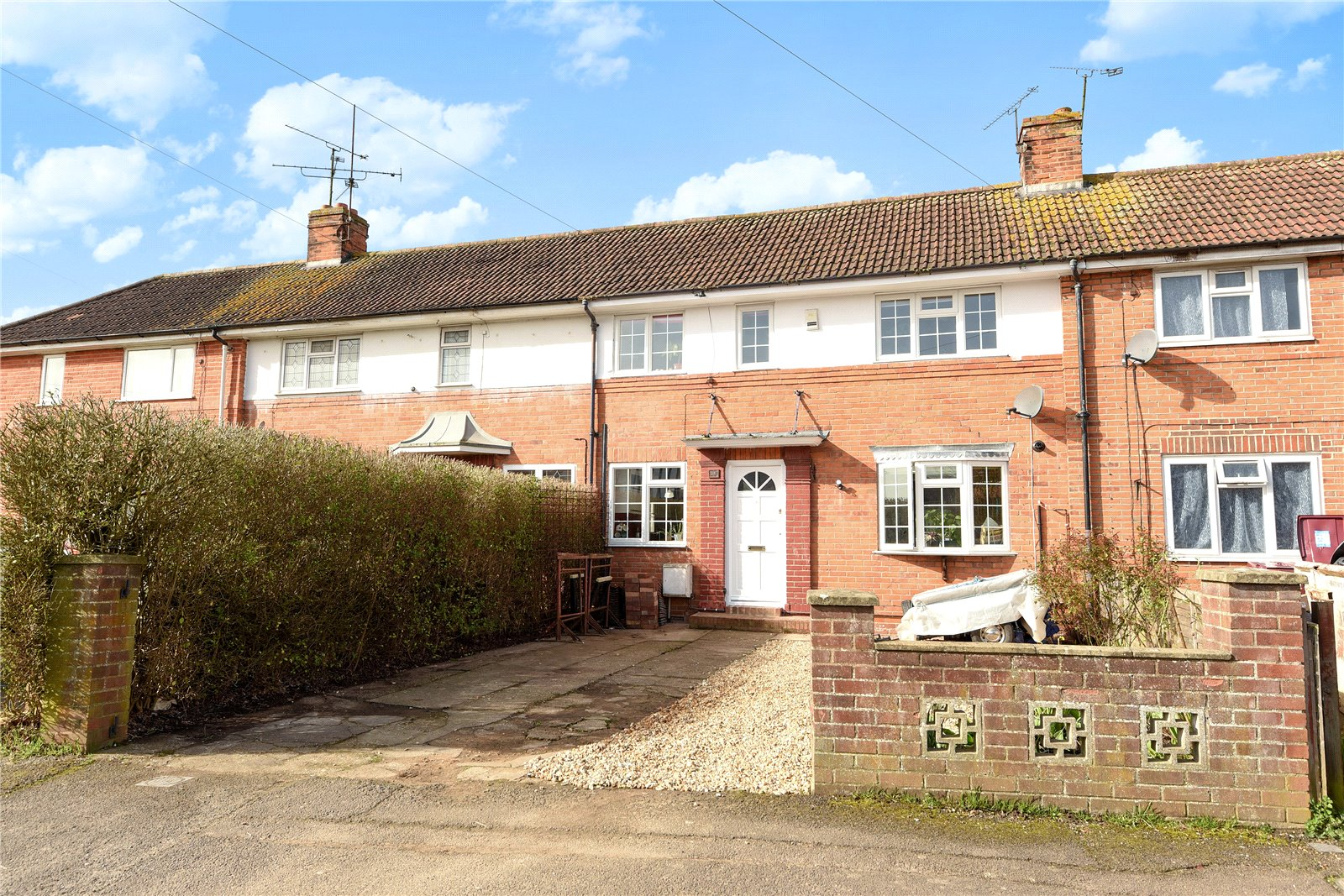 3 Bedrooms Terraced House for sale in Kingsbridge Road, Reading, Berkshire, RG2