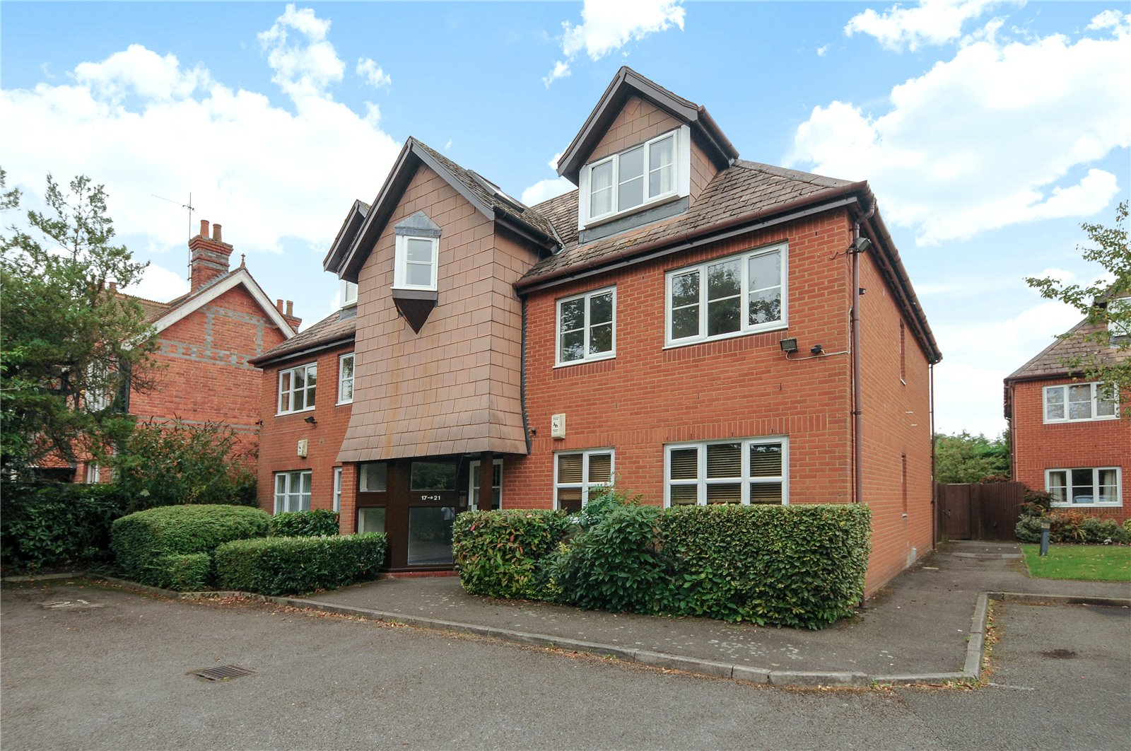 2 Bedrooms Apartment Flat for sale in Mansell Court, Shinfield Road, Reading, Berkshire, RG2
