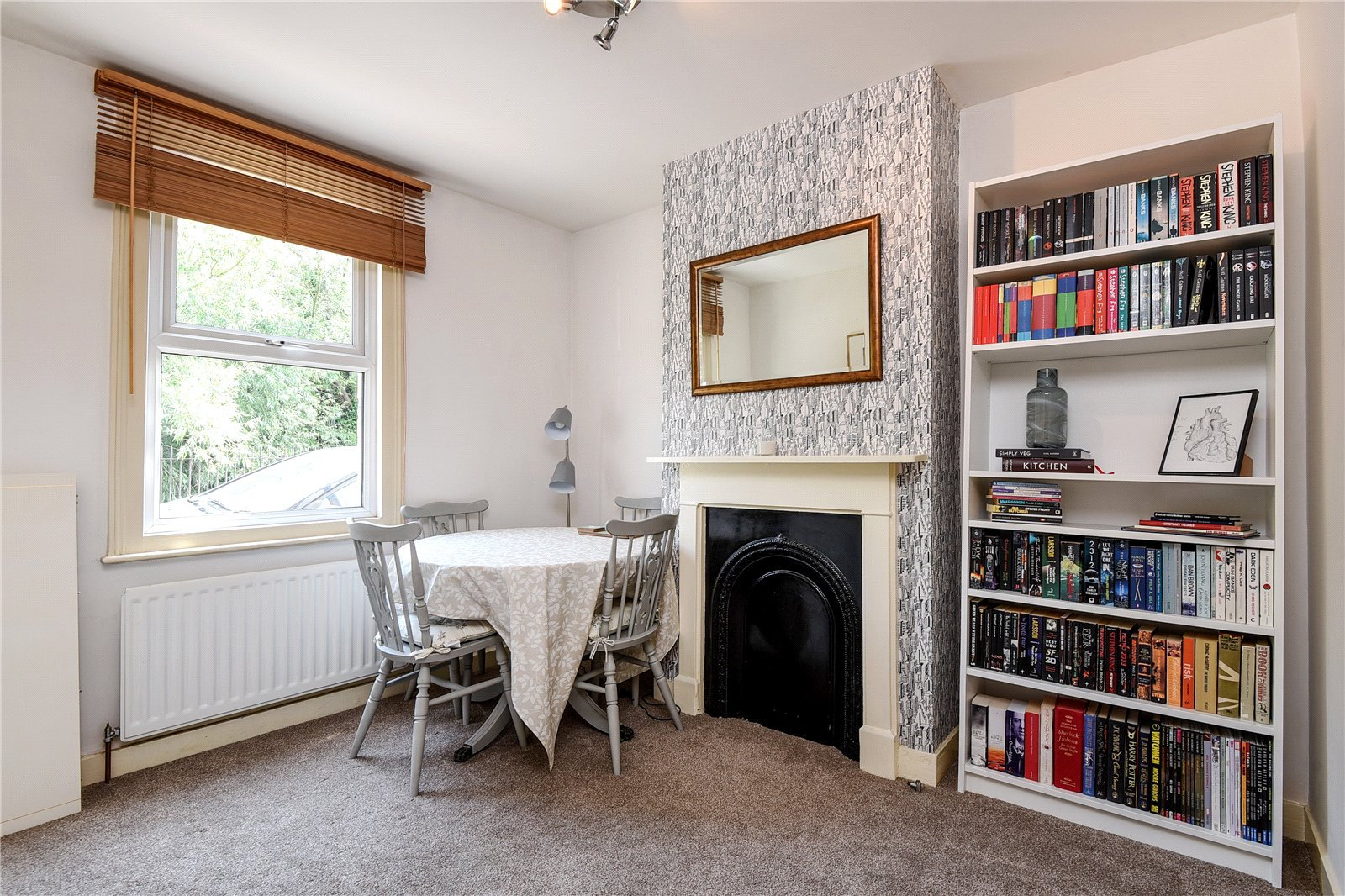 2 Bedrooms Terraced House for sale in Brook Street West, Reading, Berkshire, RG1