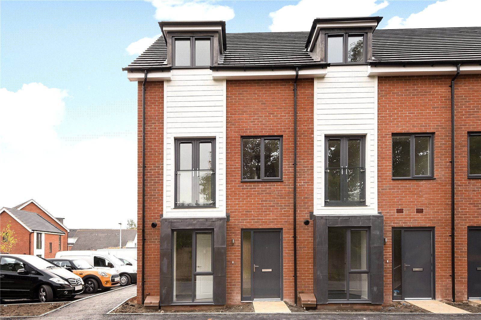 4 Bedrooms Town House for sale in Robert Parker Road, Reading, Berkshire, RG1