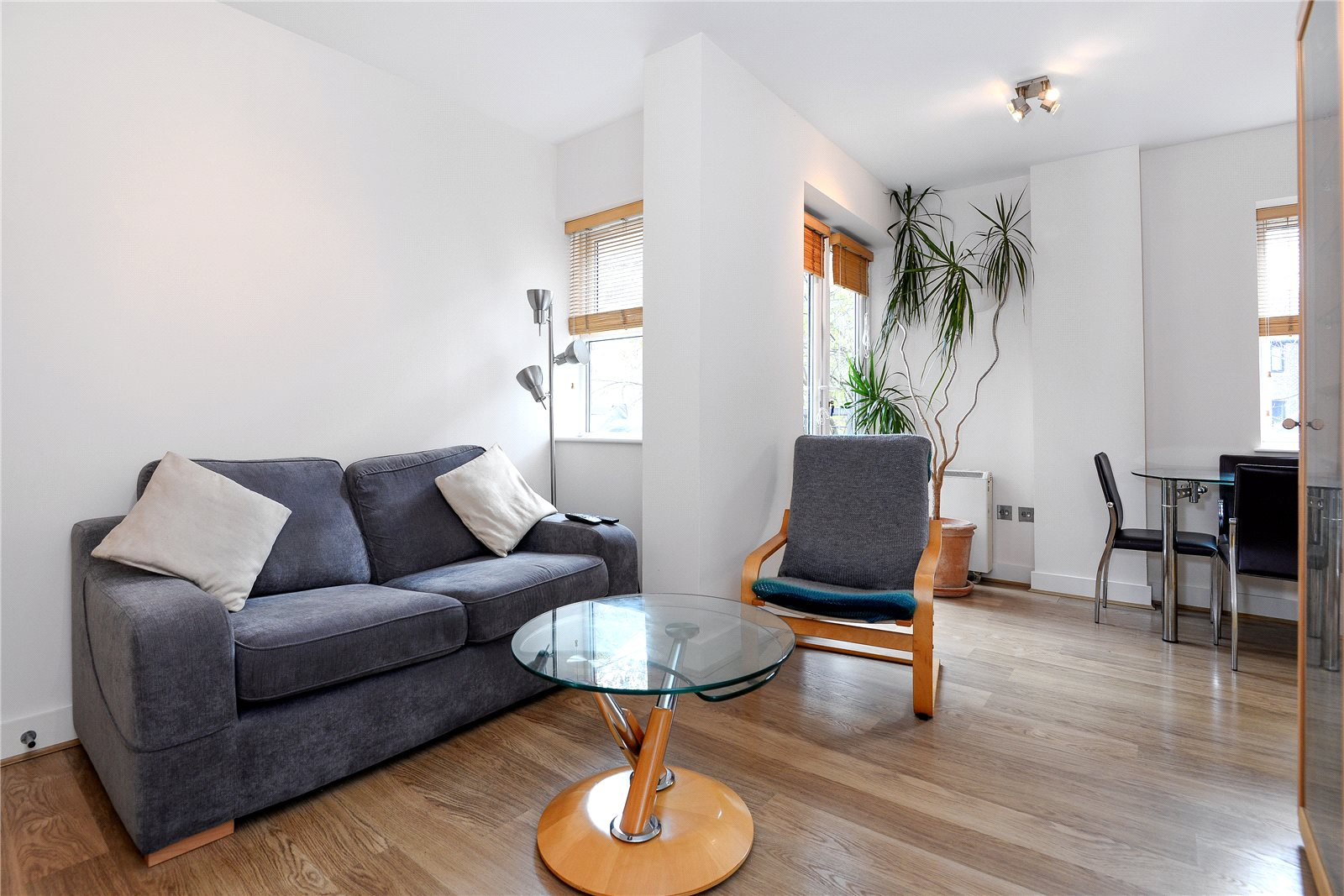 1 Bedroom Apartment Flat for sale in Il-Libro Court, Kings Road, Reading, RG1