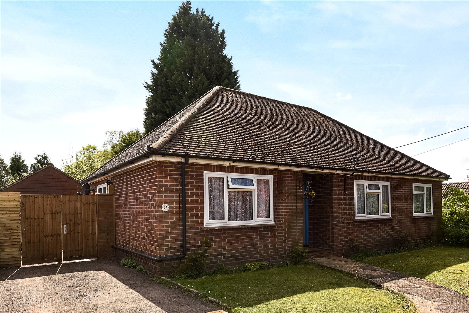 3 Bedrooms Detached Bungalow for sale in Yeovil Road, College Town, Sandhurst, Berkshire, GU47