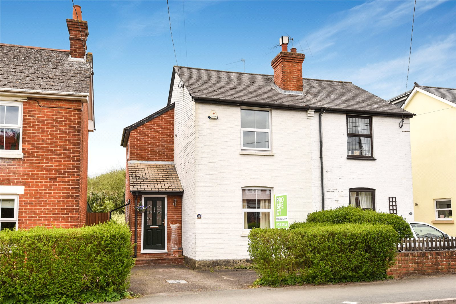 3 Bedrooms Semi Detached House for sale in Branksome Hill Road, College Town, Sandhurst, Berkshire, GU47