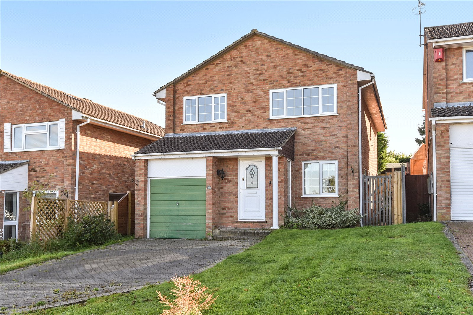 4 Bedrooms Detached House for sale in Nuffield Drive, Owlsmoor, Sandhurst, Berkshire, GU47