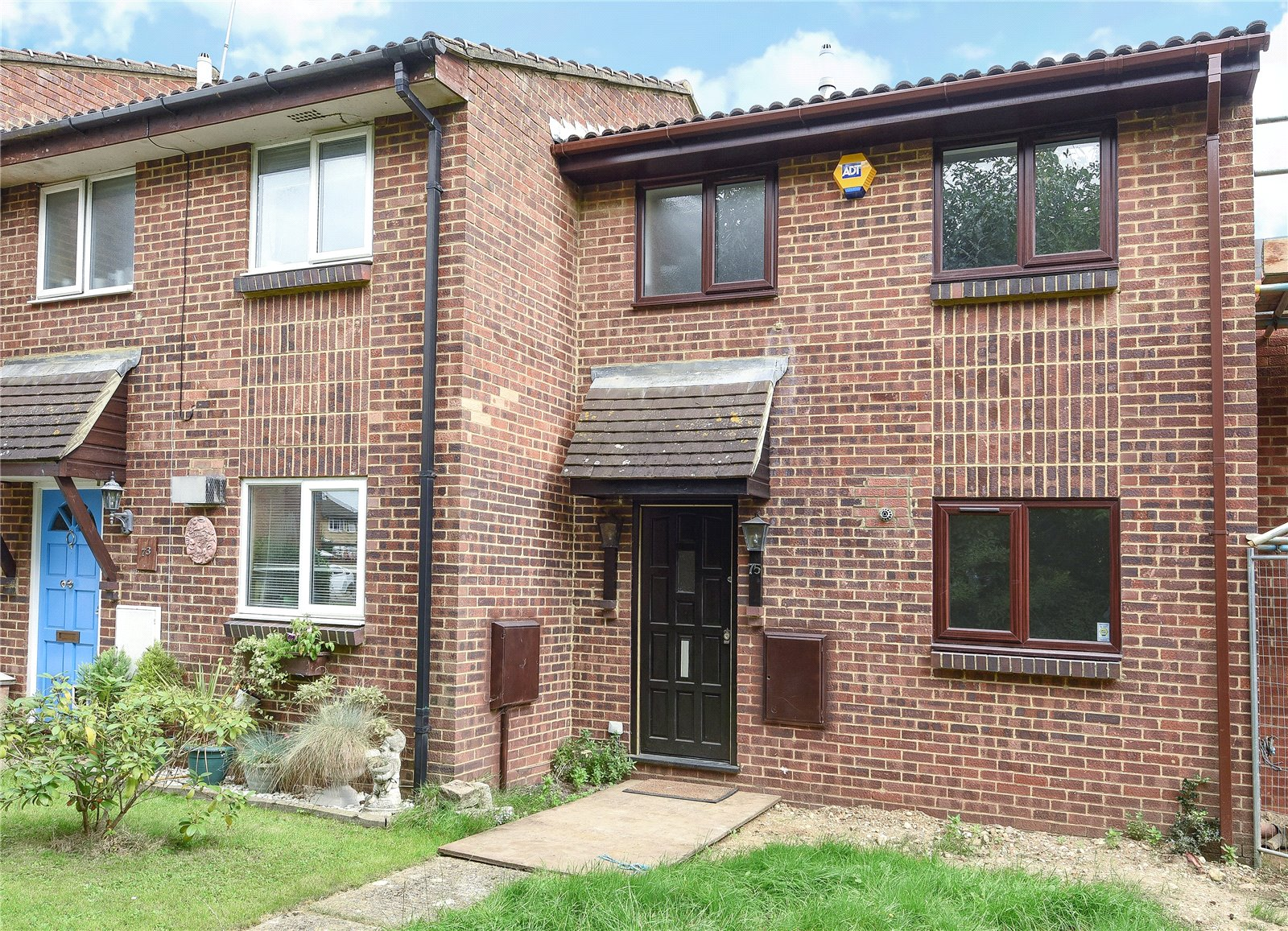 3 Bedrooms Terraced House for sale in Avocet Crescent, College Town, Sandhurst, Berkshire, GU47