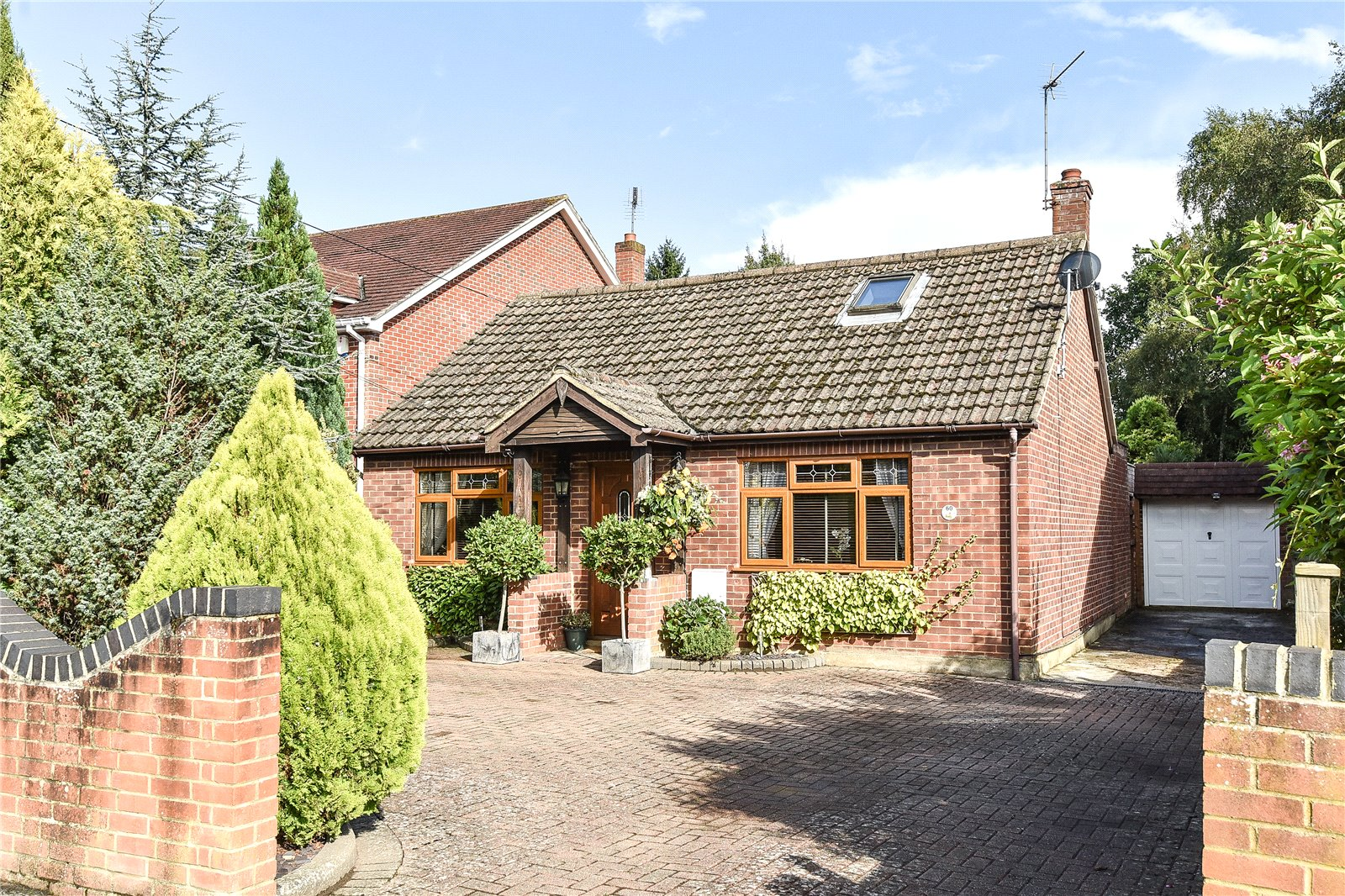 3 Bedrooms Detached Bungalow for sale in Branksome Hill Road, College Town, Sandhurst, Berkshire, GU47