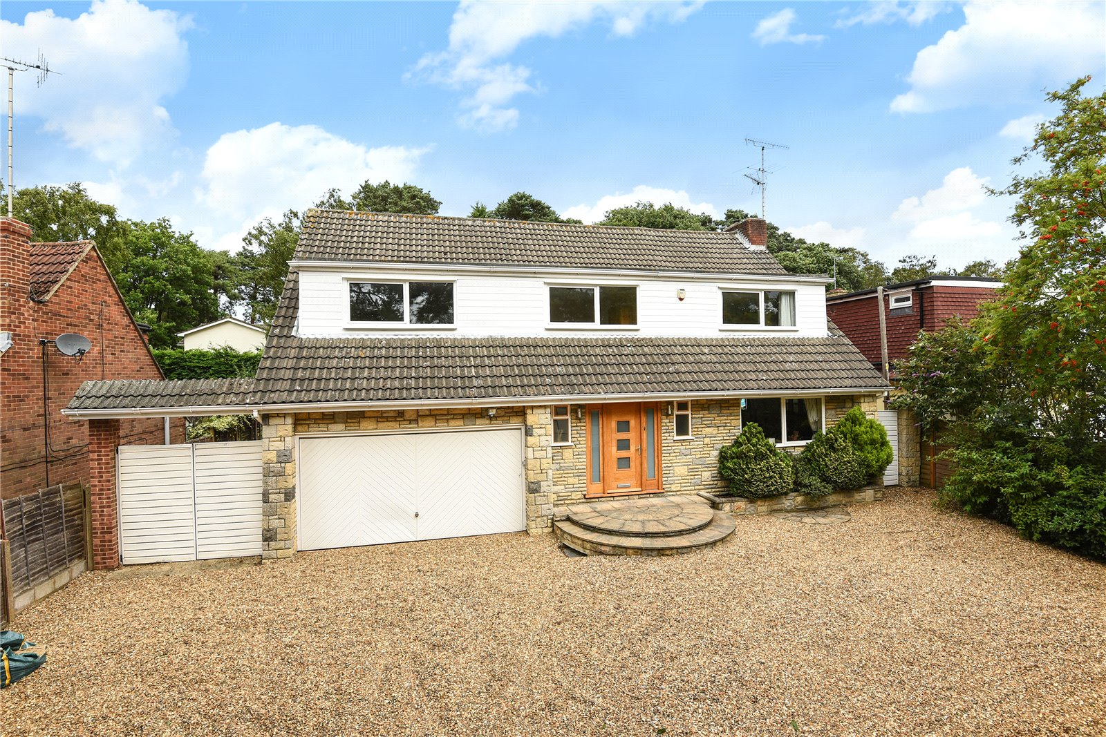 5 Bedrooms Detached House for sale in Yeovil Road, College Town, Sandhurst, Berkshire, GU47