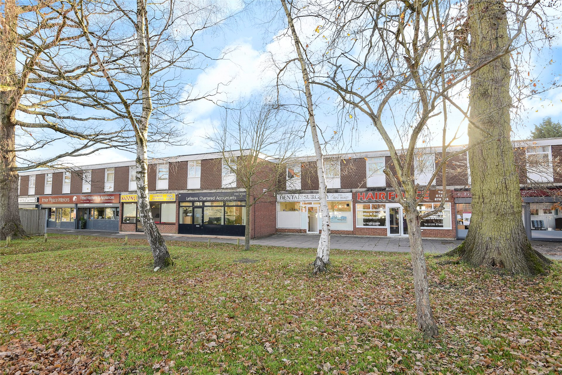 2 Bedrooms Apartment Flat for sale in Bell Lane, Blackwater, Camberley, GU17