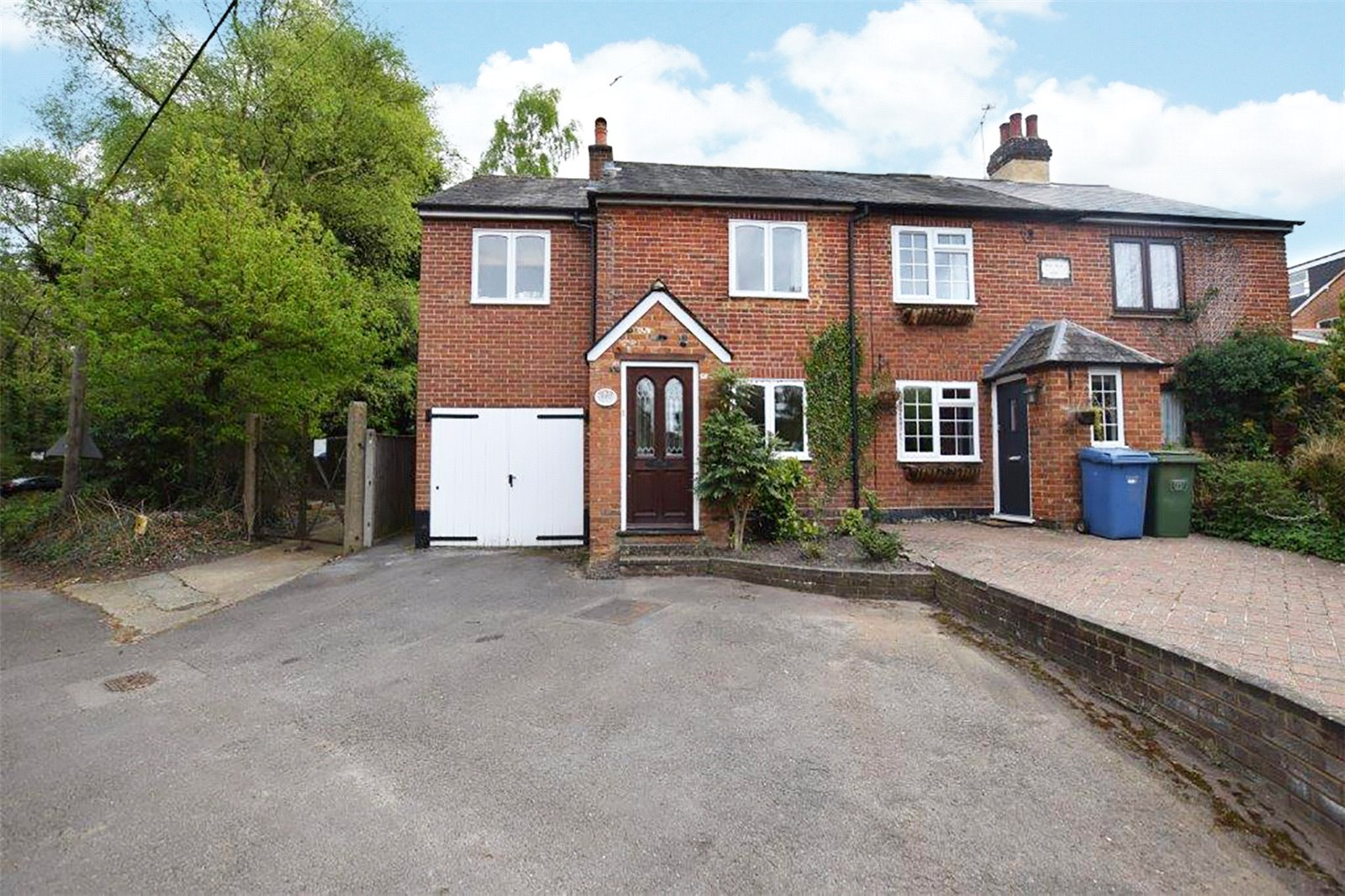 3 Bedrooms End Of Terrace House for sale in Rosedale Cottage, Long Hill Road, Ascot, SL5