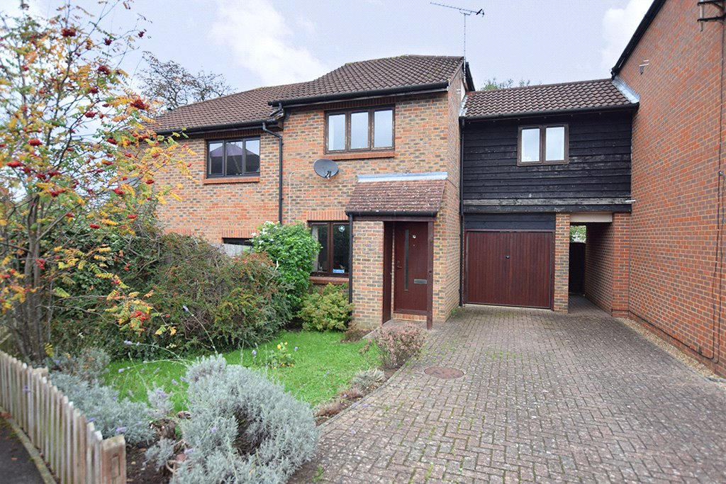 3 Bedrooms Terraced House for sale in Caesars Gate, Warfield, Berkshire, RG42