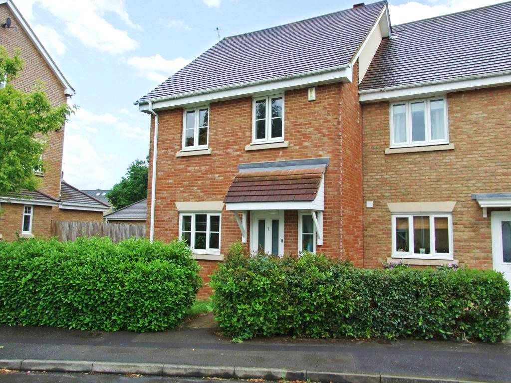 3 Bedrooms Semi Detached House for sale in Flemish Place, Warfield, Berkshire, RG42