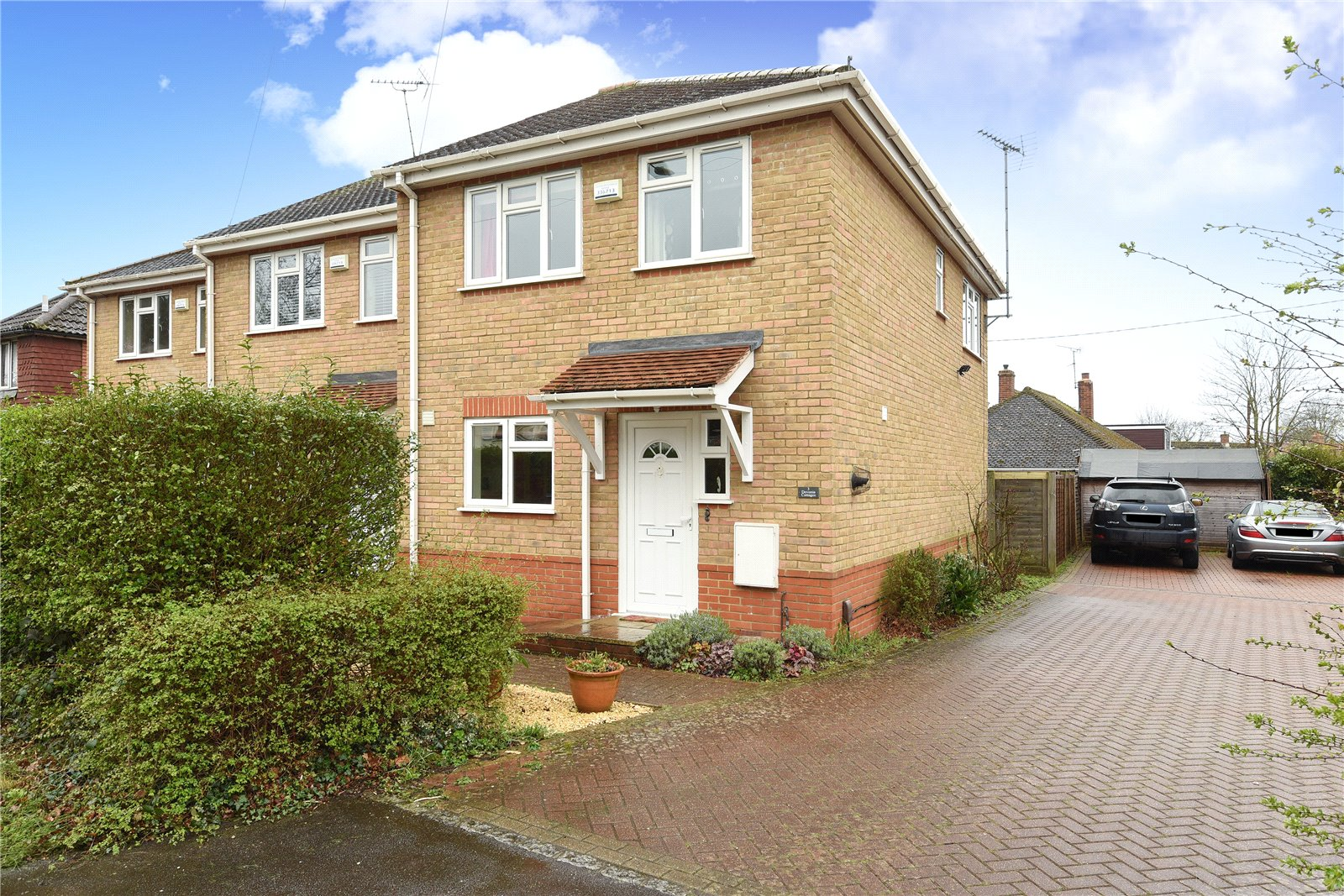3 Bedrooms House for sale in Devonia Cottages, St. Marks Road, Binfield, Berkshire, RG42