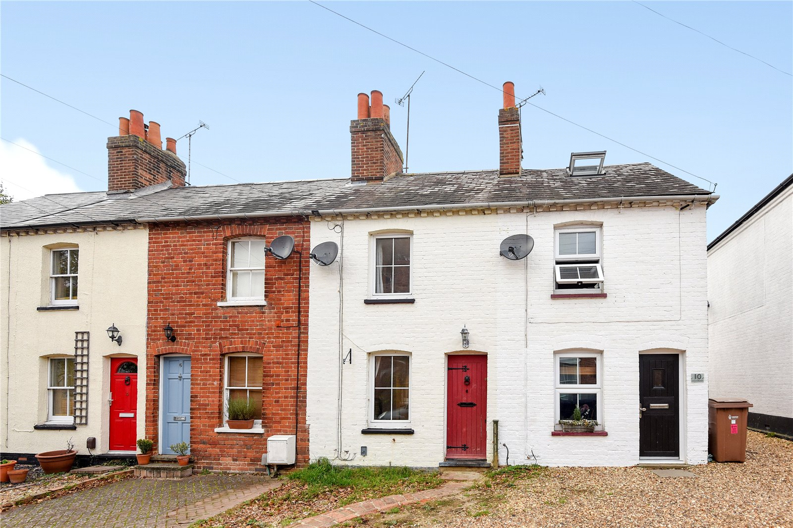 2 Bedrooms Terraced House for sale in Mount Pleasant, Wokingham, Berkshire, RG41