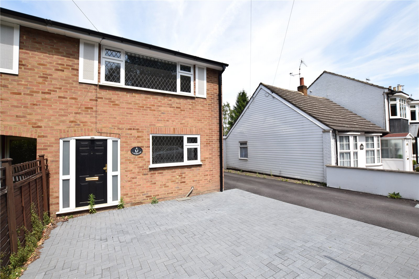 3 Bedrooms Semi Detached House for sale in Lakeside, London Road, Ascot, Berkshire, SL5