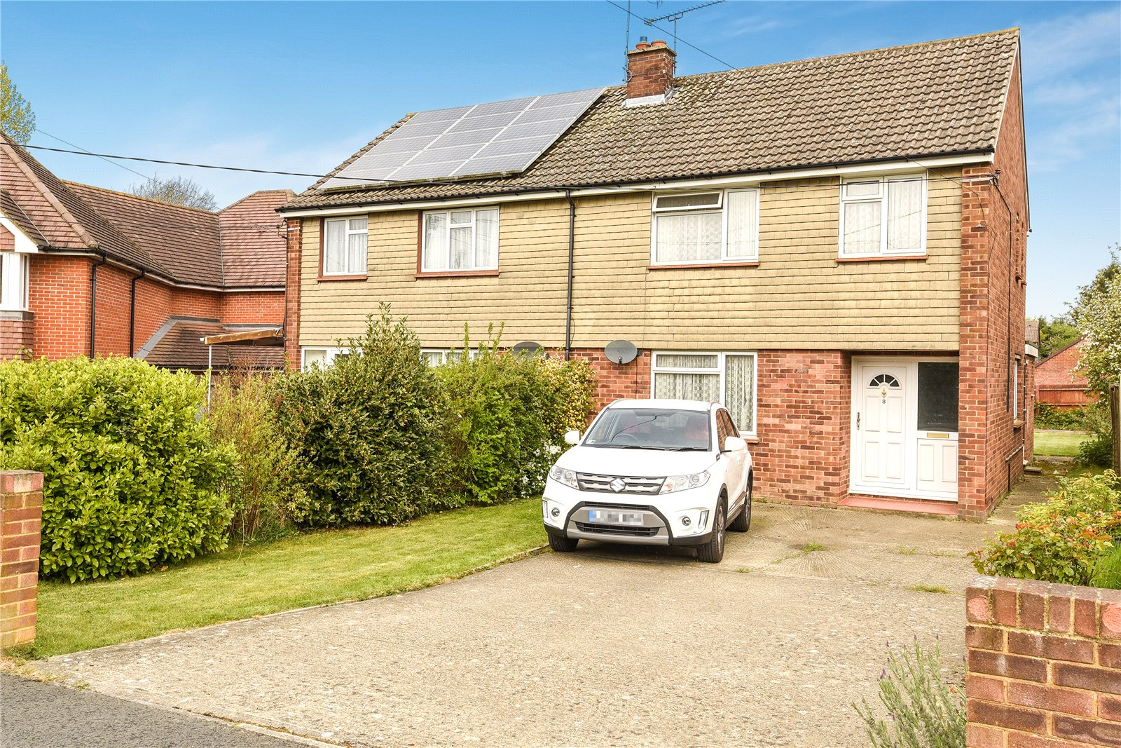 3 Bedrooms Semi Detached House for sale in Roebuck Estate, Binfield, Bracknell, Berkshire, RG42