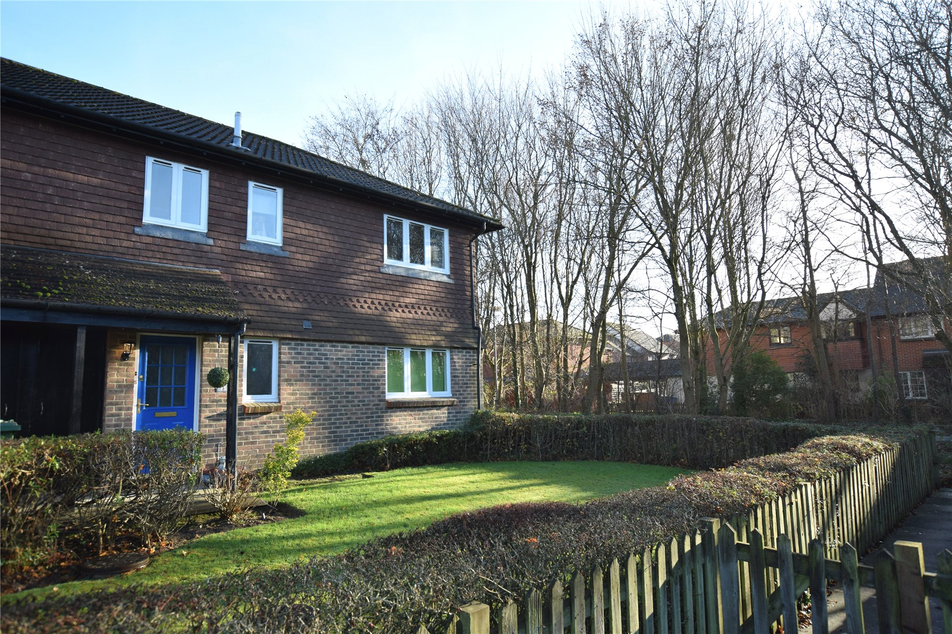 2 Bedrooms Maisonette Flat for sale in Othello Grove, Warfield, Berkshire, RG42