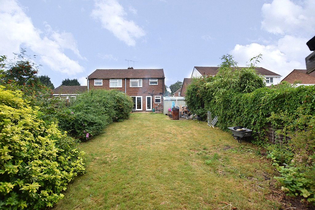 3 Bedrooms Semi Detached House for sale in Wentworth Way, Ascot, Berkshire, SL5