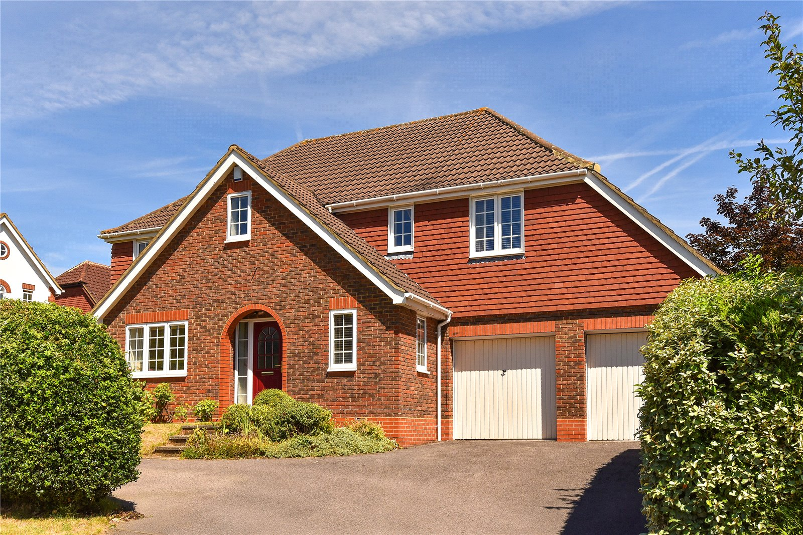 5 Bedrooms Detached House for sale in Holly Spring Lane, Bracknell, Berkshire, RG12
