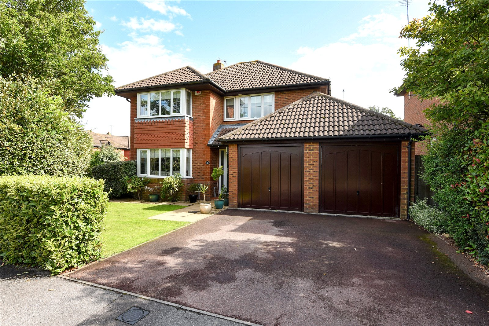 4 Bedrooms Detached House for sale in Derbyshire Green, Warfield, Berkshire, RG42