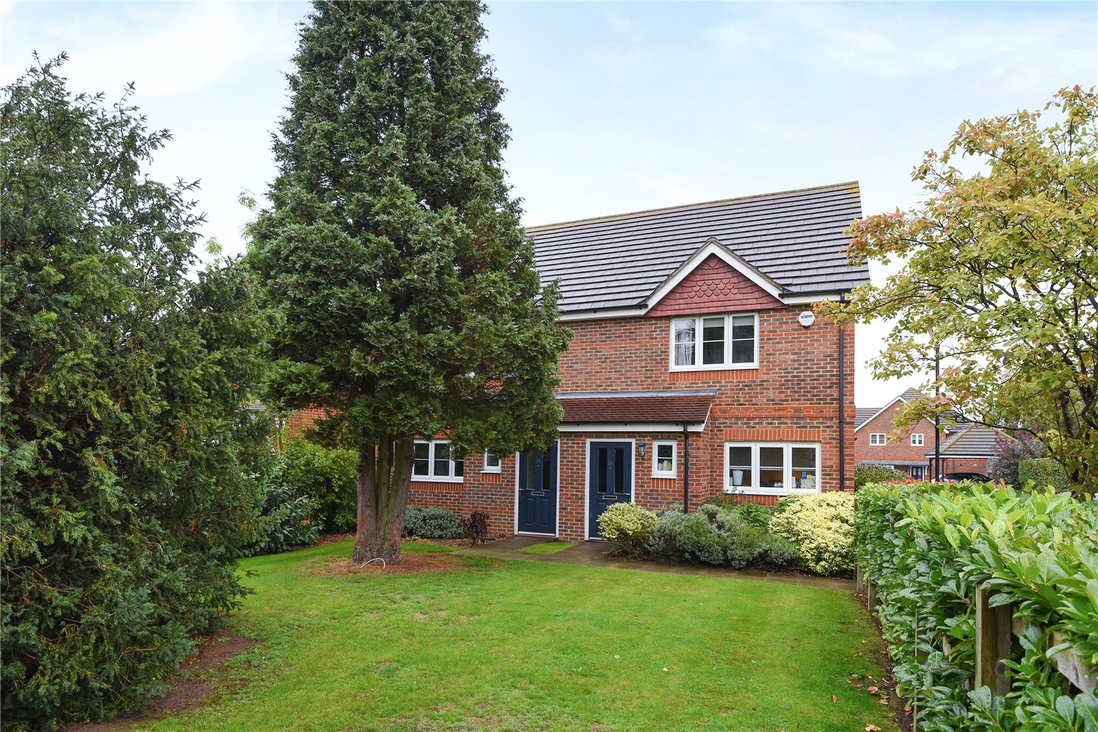 3 Bedrooms Semi Detached House for sale in Locksley Gardens, Winnersh, Wokingham, Berkshire, RG41