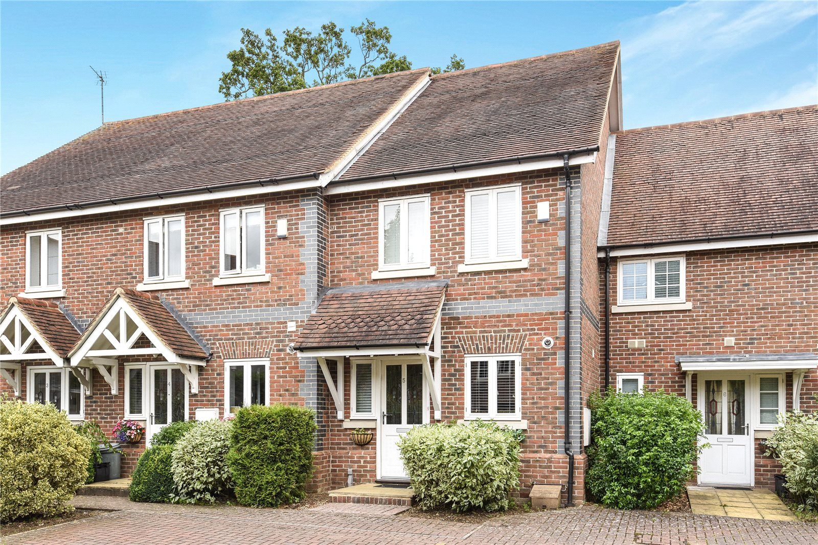 2 Bedrooms Terraced House for sale in Alder Mews, Sindlesham, Wokingham, Berkshire, RG41