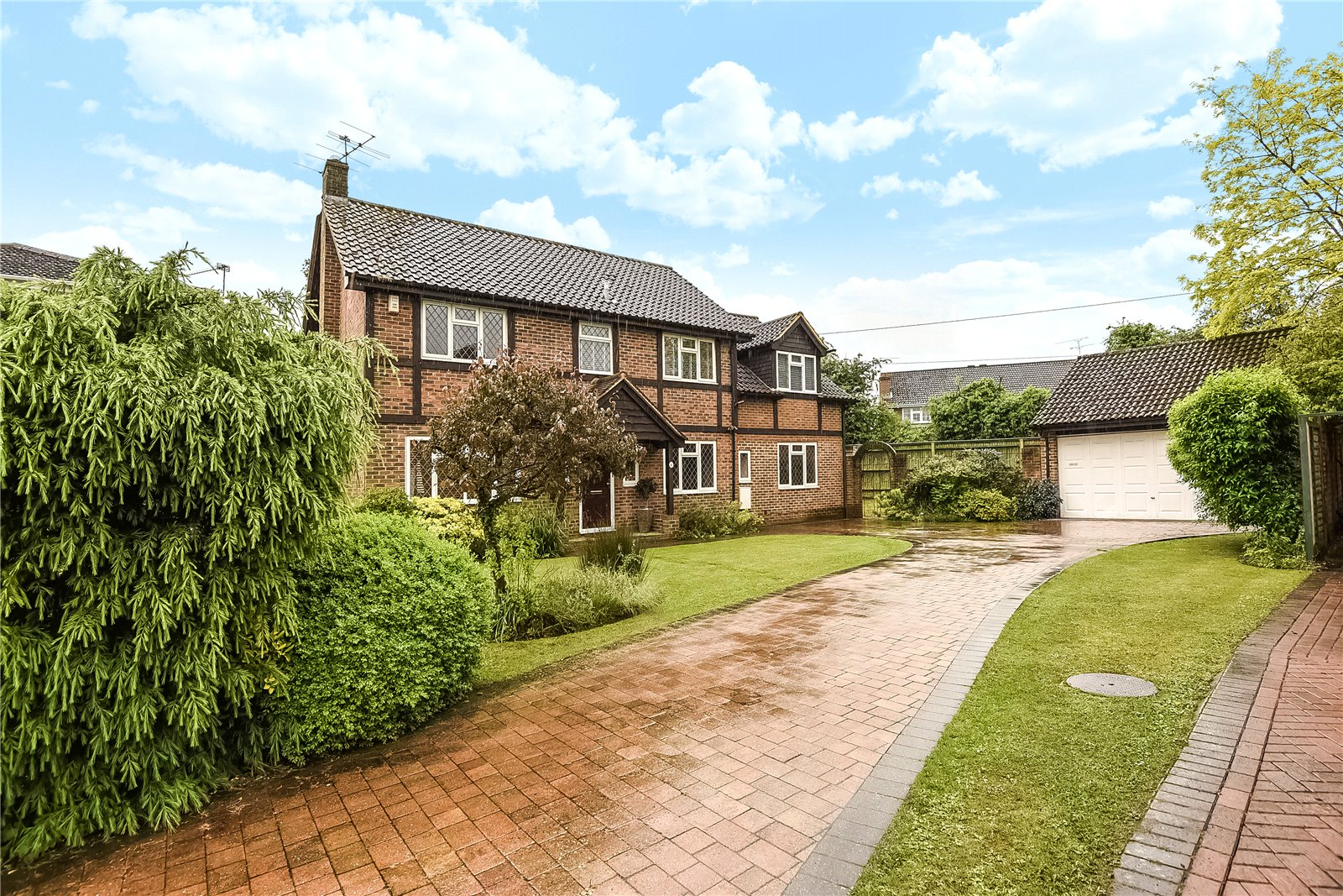 5 Bedrooms Detached House for sale in Clarendon Close, Winnersh, Wokingham, Berkshire, RG41
