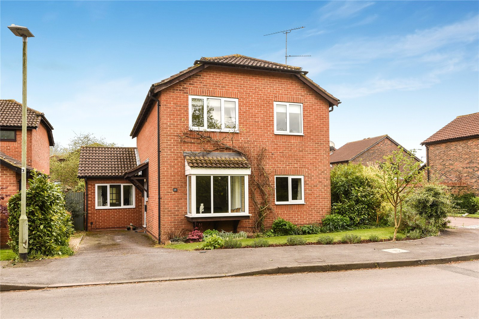 4 Bedrooms Detached House for sale in Thistleton Way, Lower Earley, Reading, Berkshire, RG6