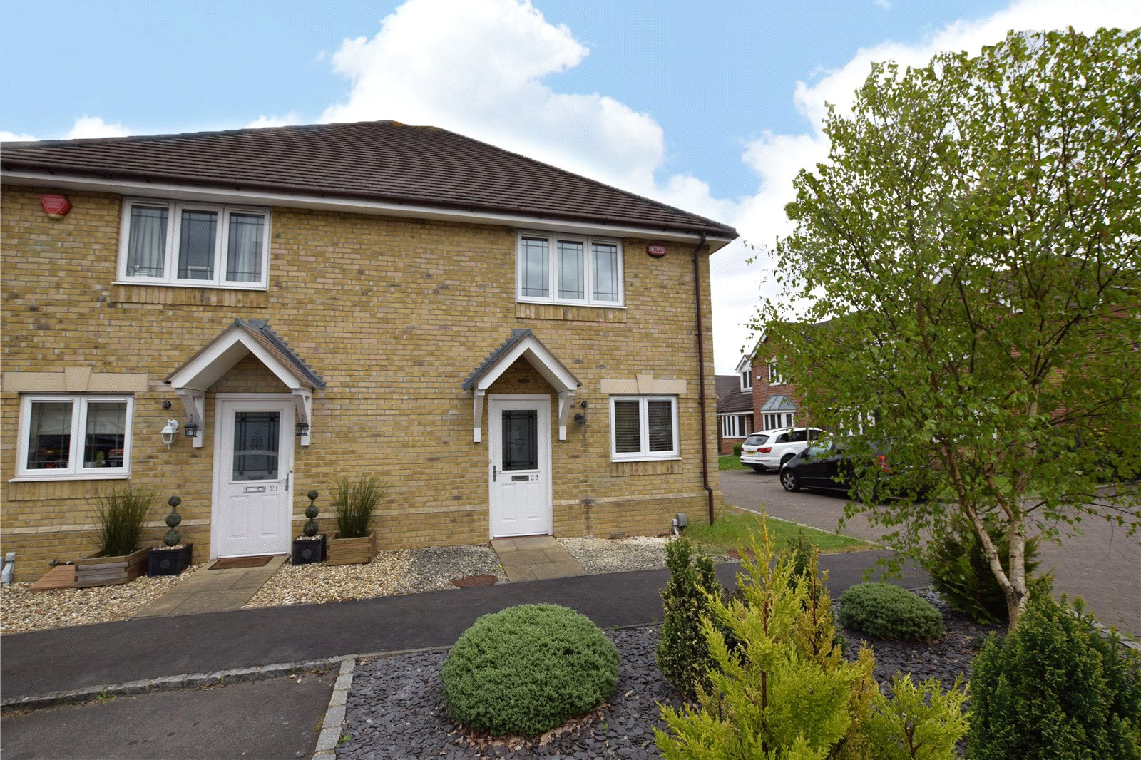 3 Bedrooms Semi Detached House for sale in Tiggall Close, Earley, Reading, Berkshire, RG6