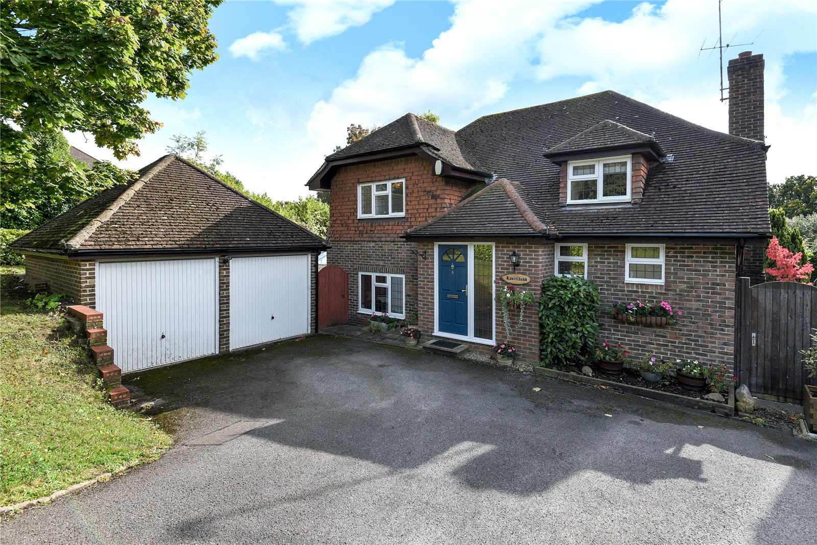 4 Bedrooms Detached House for sale in Ryhill Way, Lower Earley, Reading, Berkshire, RG6