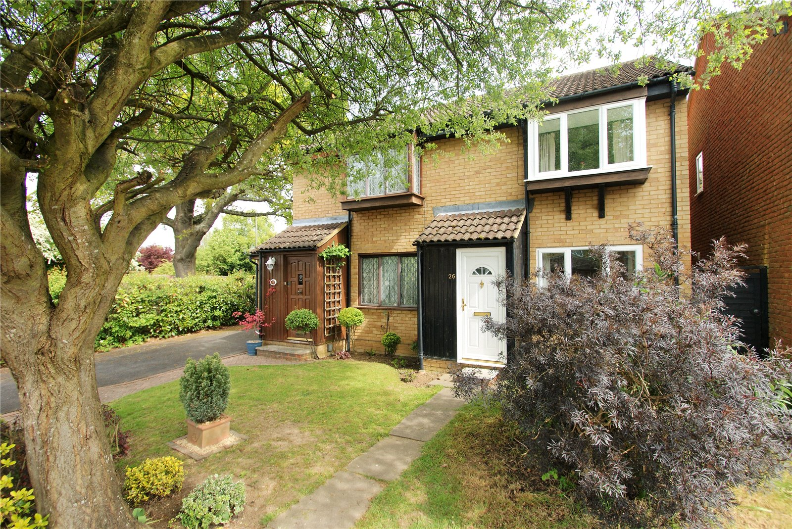 2 Bedrooms Semi Detached House for sale in Mercury Avenue, Wokingham, Berkshire, RG41