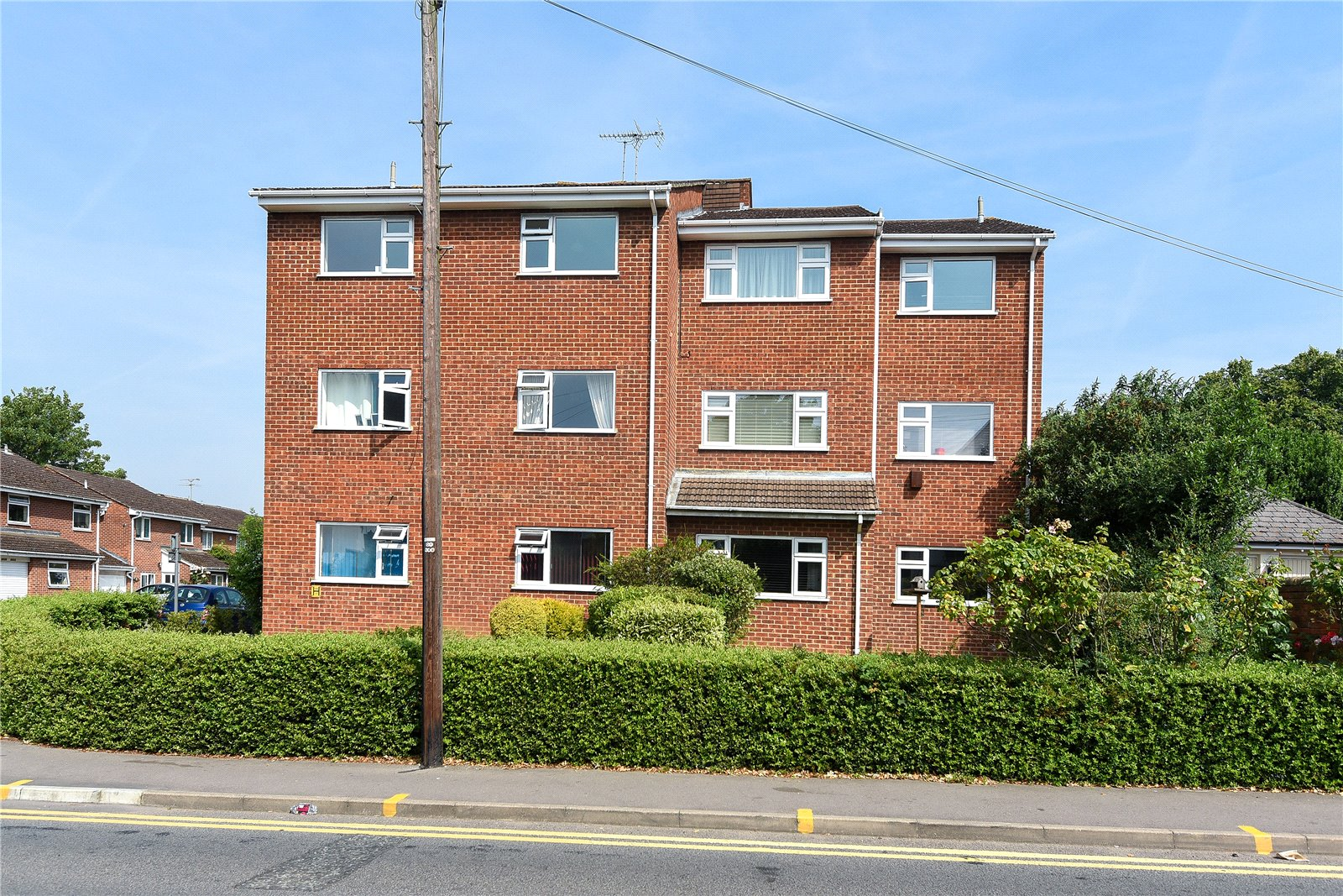 2 Bedrooms Apartment Flat for sale in Olivia Court, Alderman Willey Close, Wokingham, Berkshire, RG41