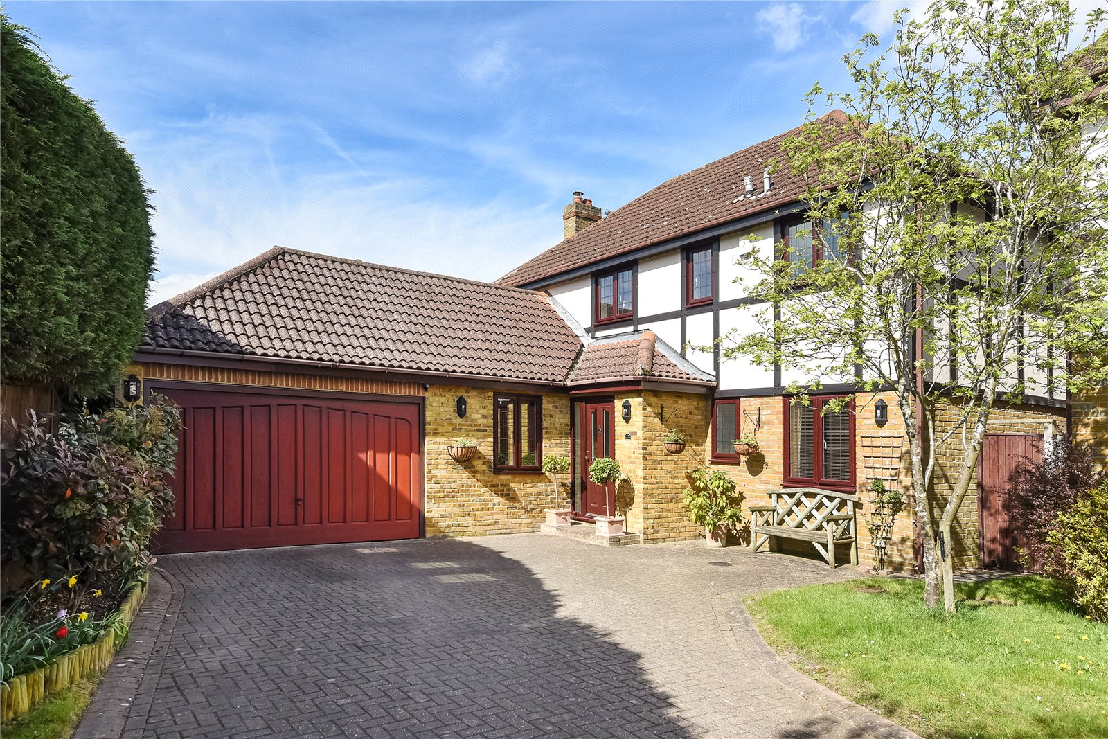 4 Bedrooms Detached House for sale in Fernbank, Finchampstead, Wokingham, Berkshire, RG40