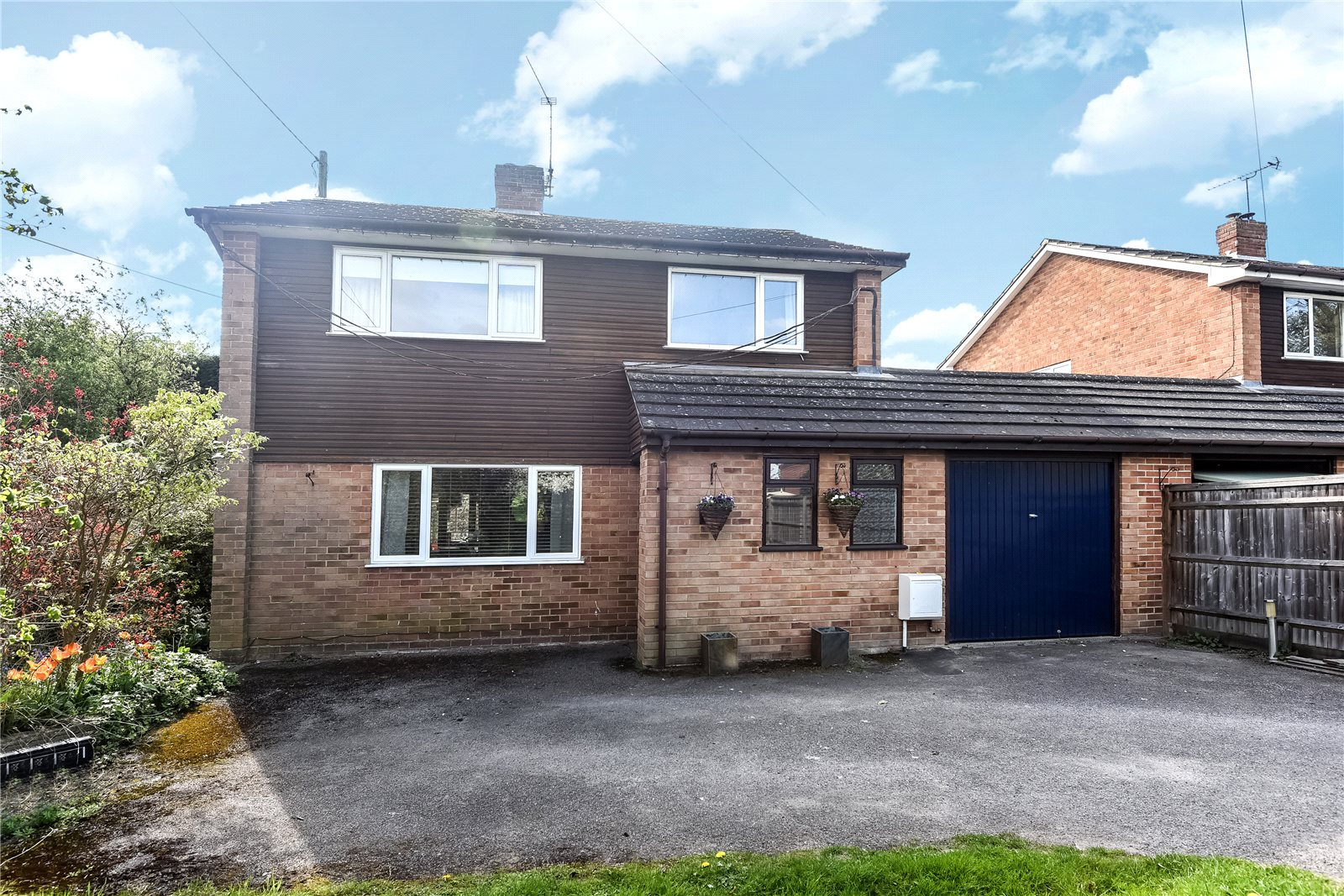 3 Bedrooms Link Detached House for sale in Bearwood Road, Wokingham, Berkshire, RG41